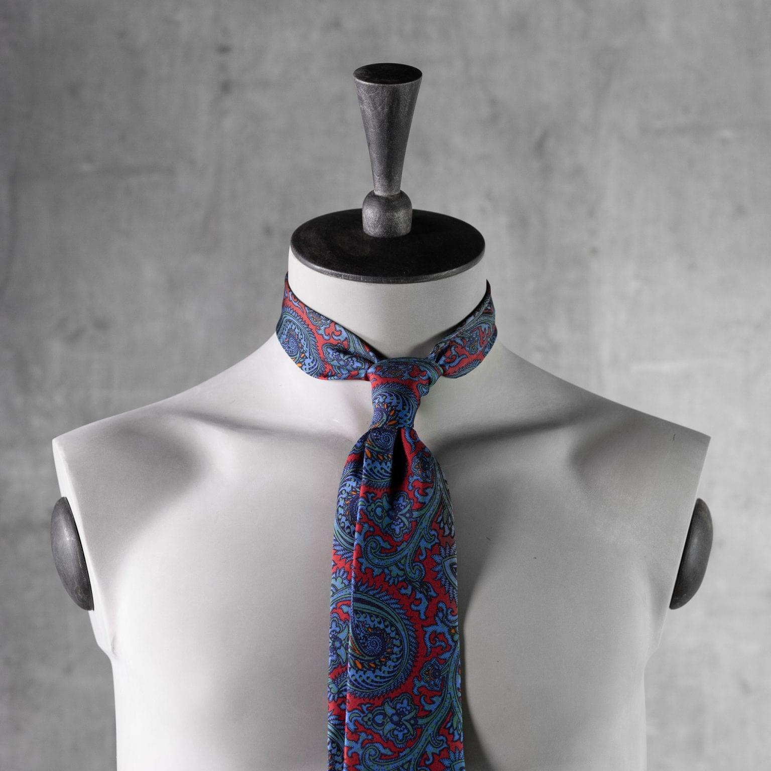 ANCIENT-MADDER-0489-Tie-Initials-Corbata-Iniciales-The-Seelk-3