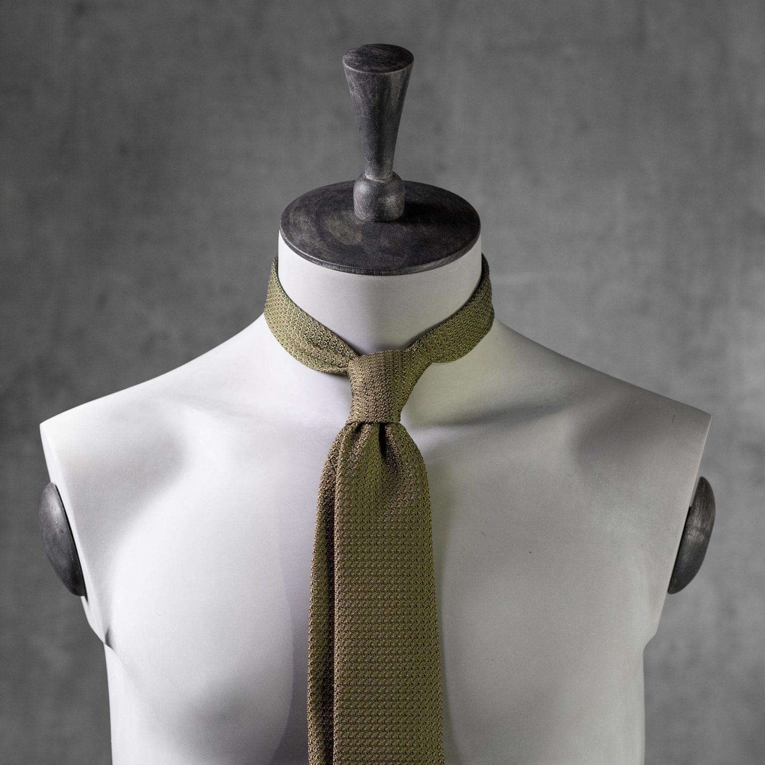 GRENADINE-0145-Tie-Initials-Corbata-Iniciales-The-Seelk-3