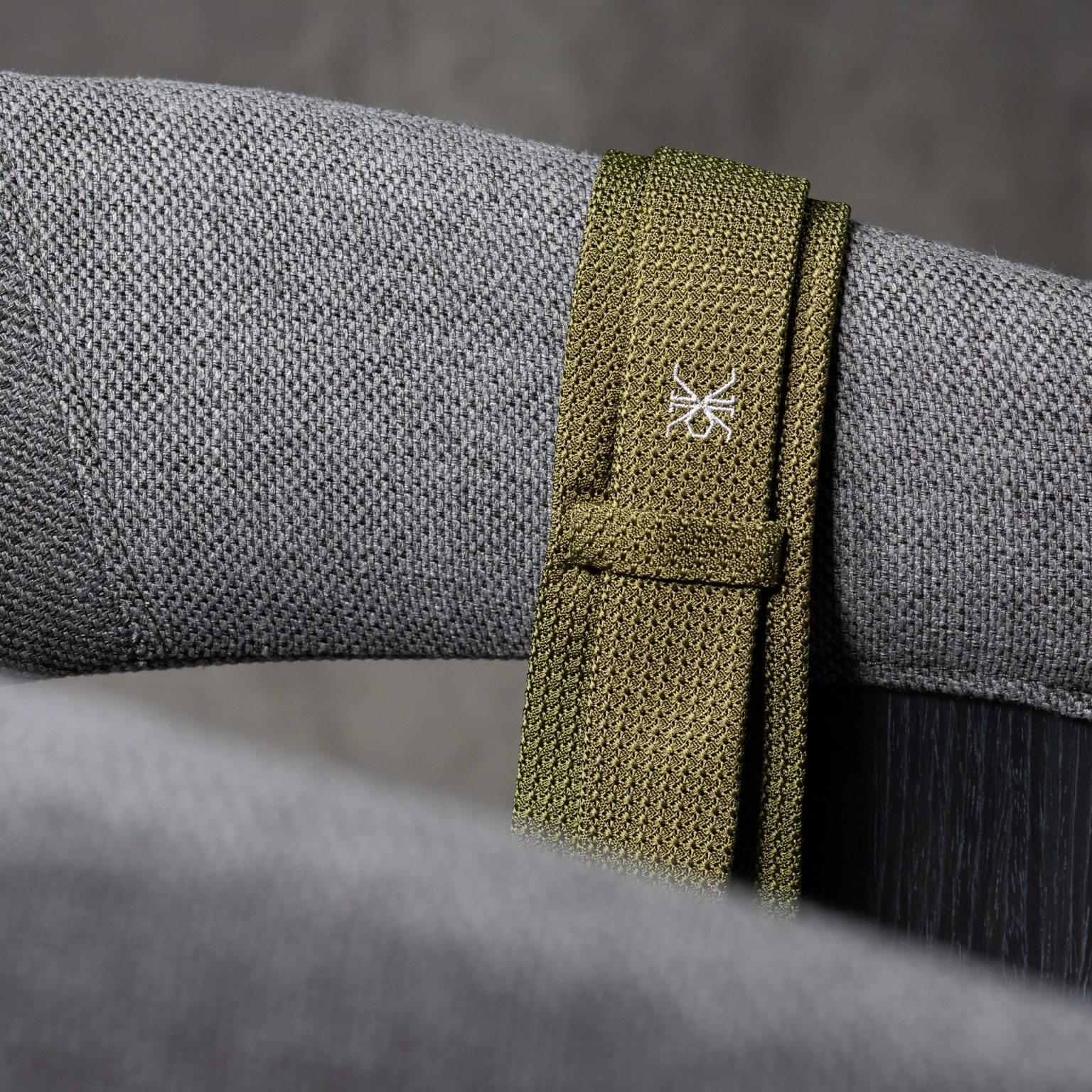 GRENADINE-0145-Tie-Initials-Corbata-Iniciales-The-Seelk-4