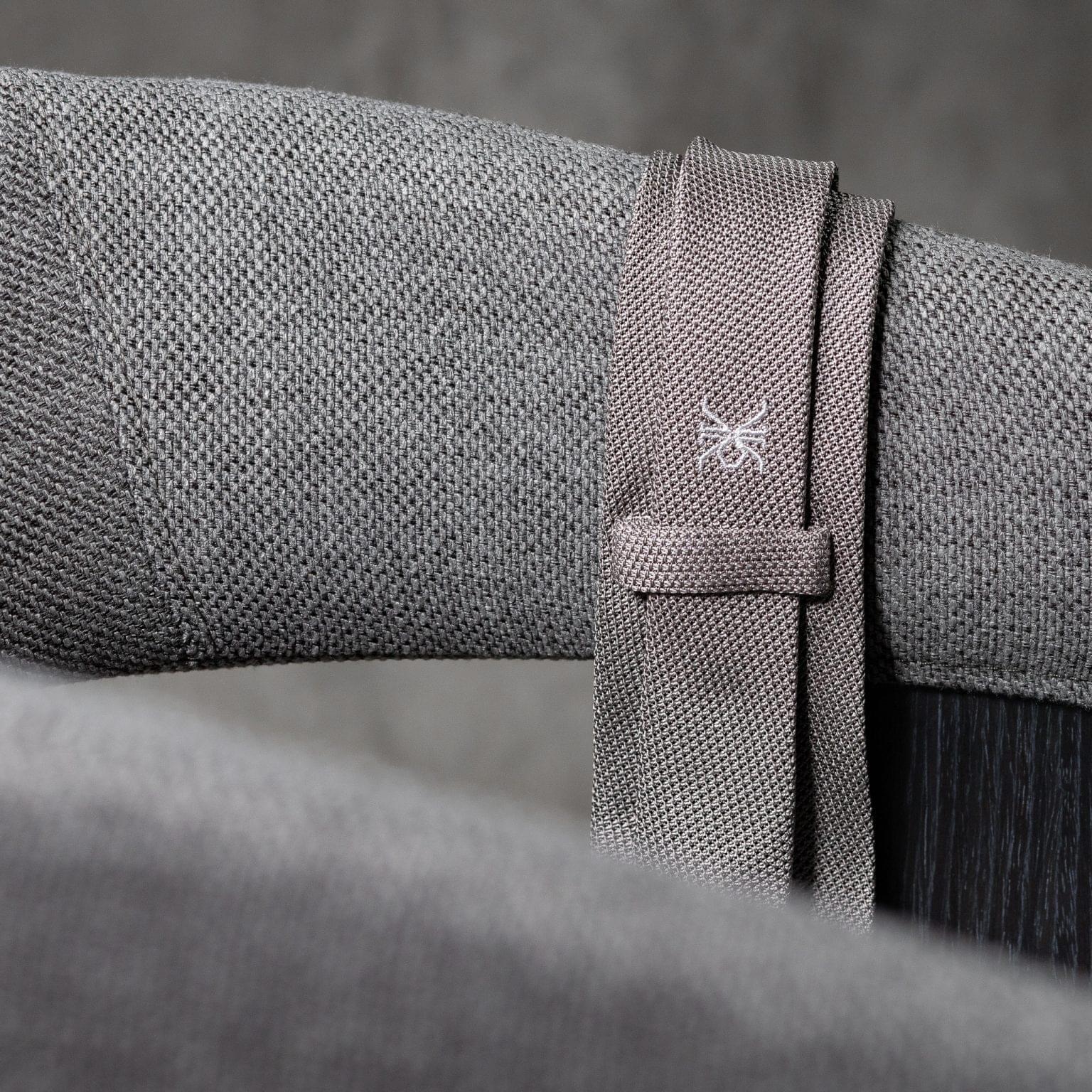 GRENADINE-0151-Tie-Initials-Corbata-Iniciale-The-Seelks-4