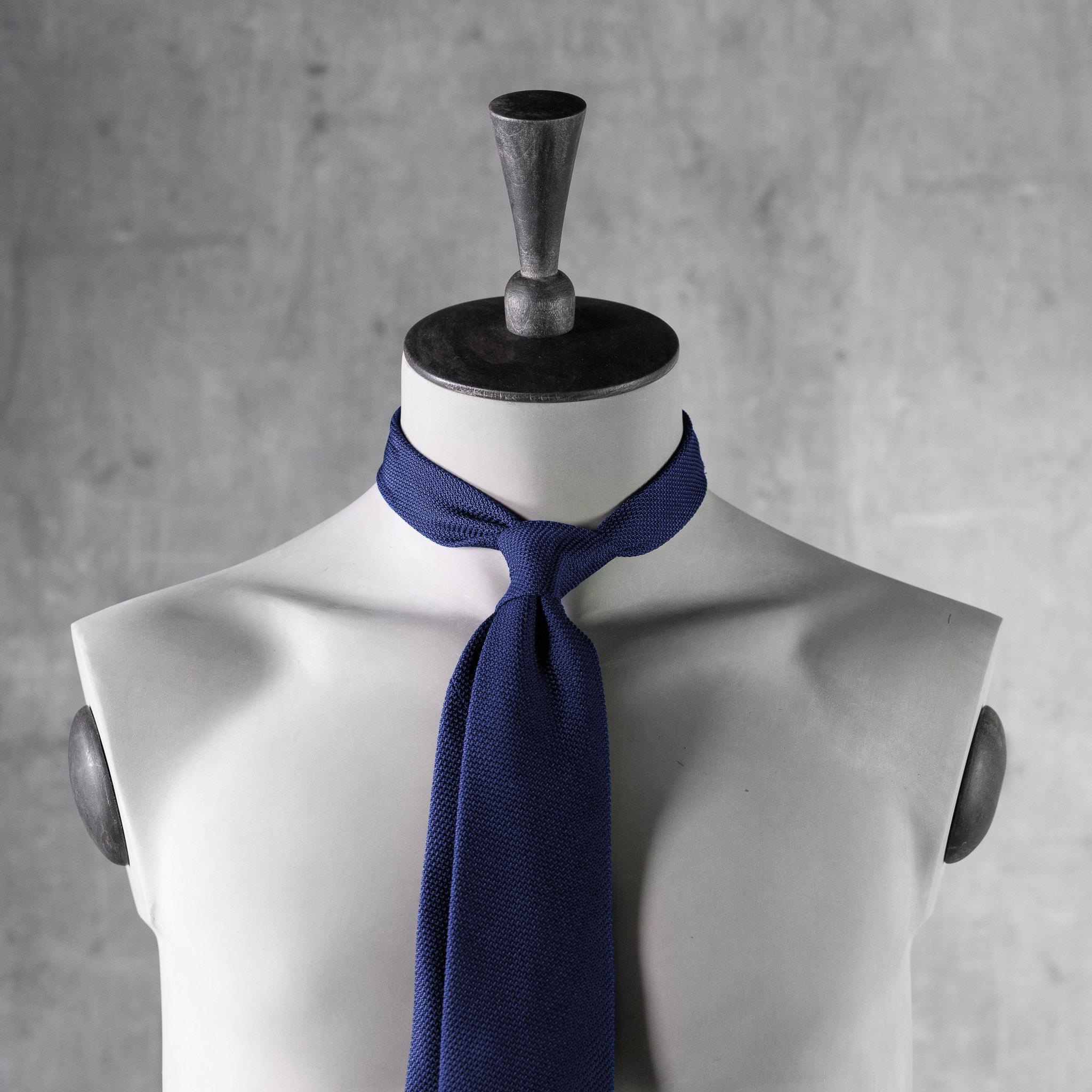 GRENADINE-0156-Tie-Initials-Corbata-Iniciales-The-Seelk-4