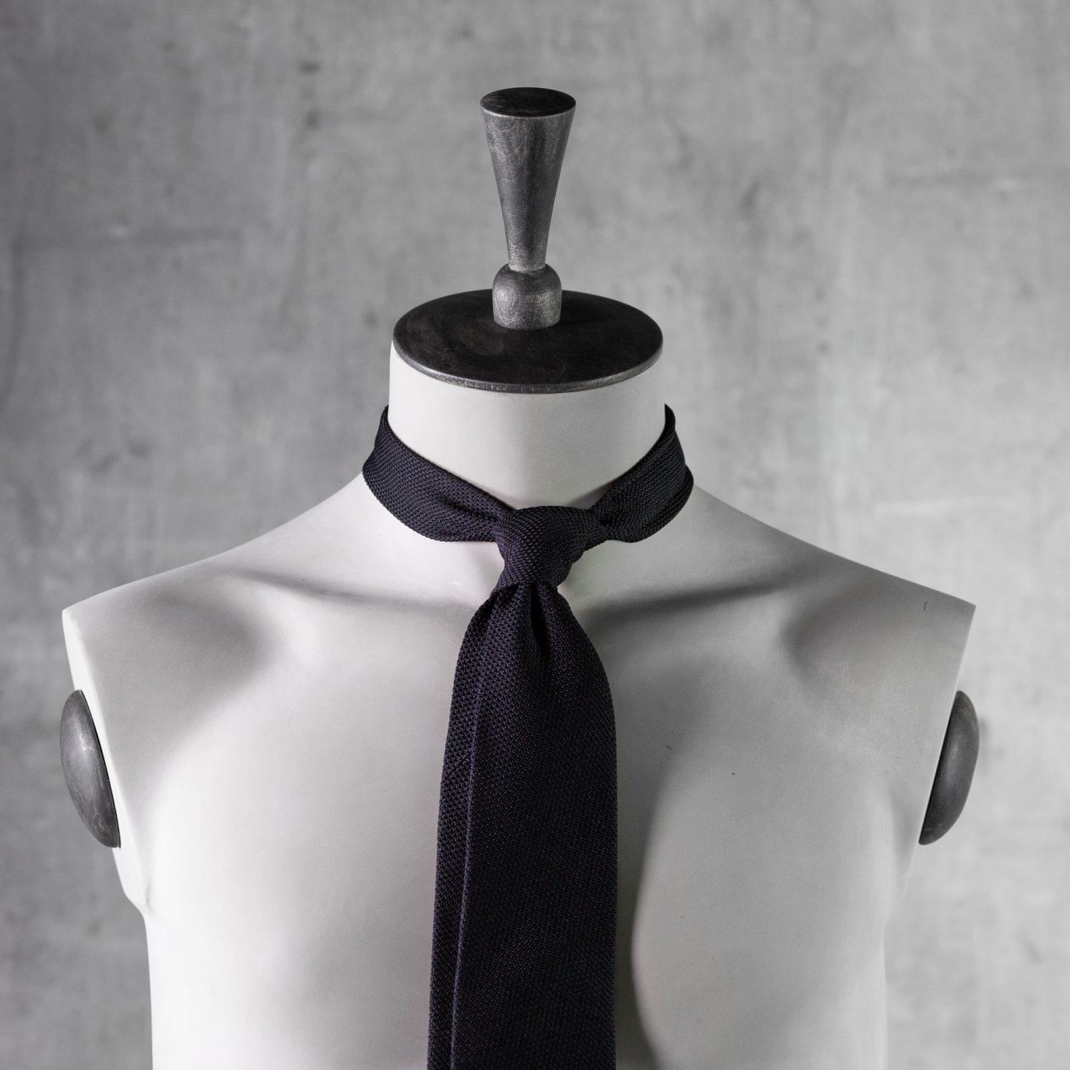 GRENADINE-0276-Tie-Initials-Corbata-Iniciales-The-Seelk-3