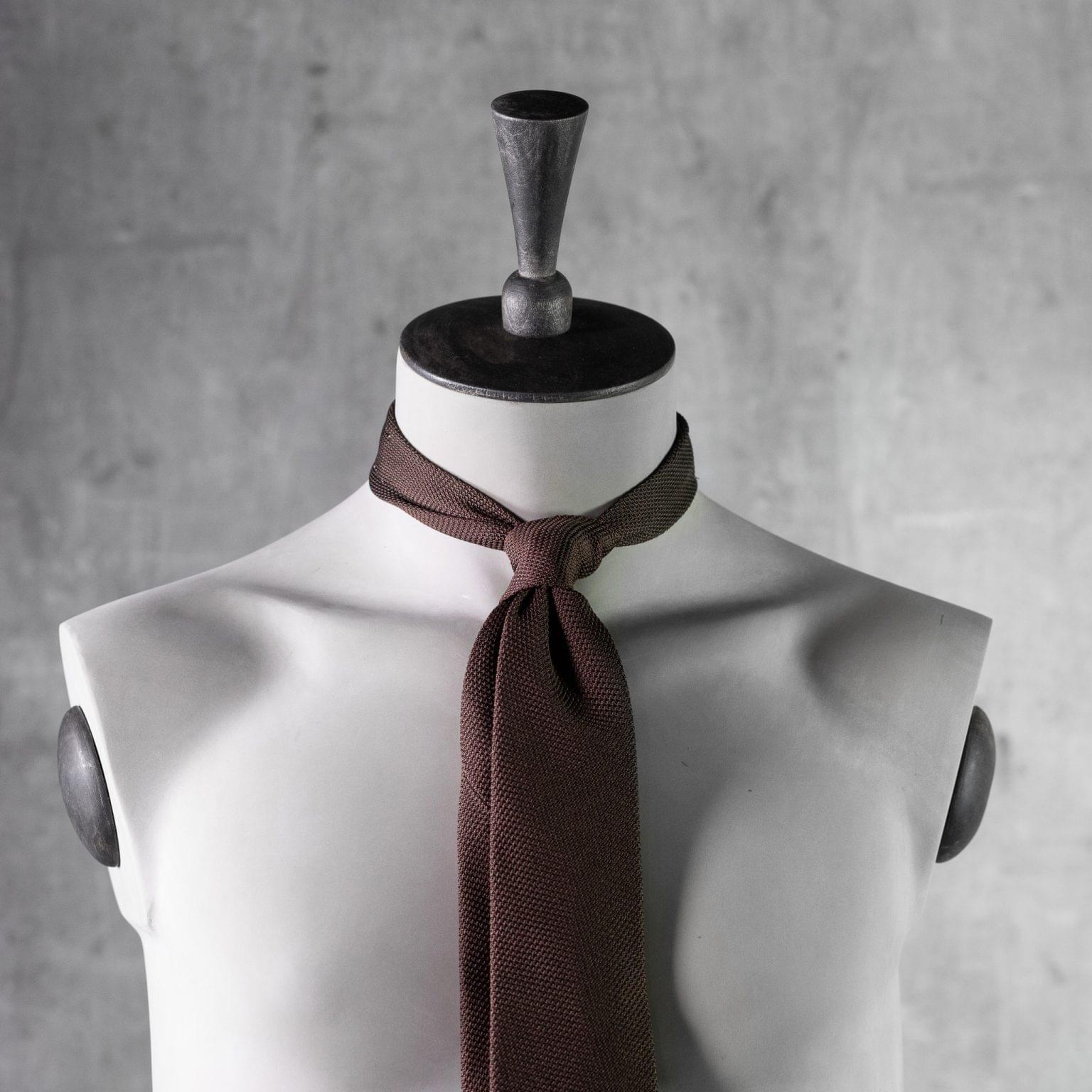 GRENADINE-0279-Tie-Initials-Corbata-Iniciales-The-Seelk-3