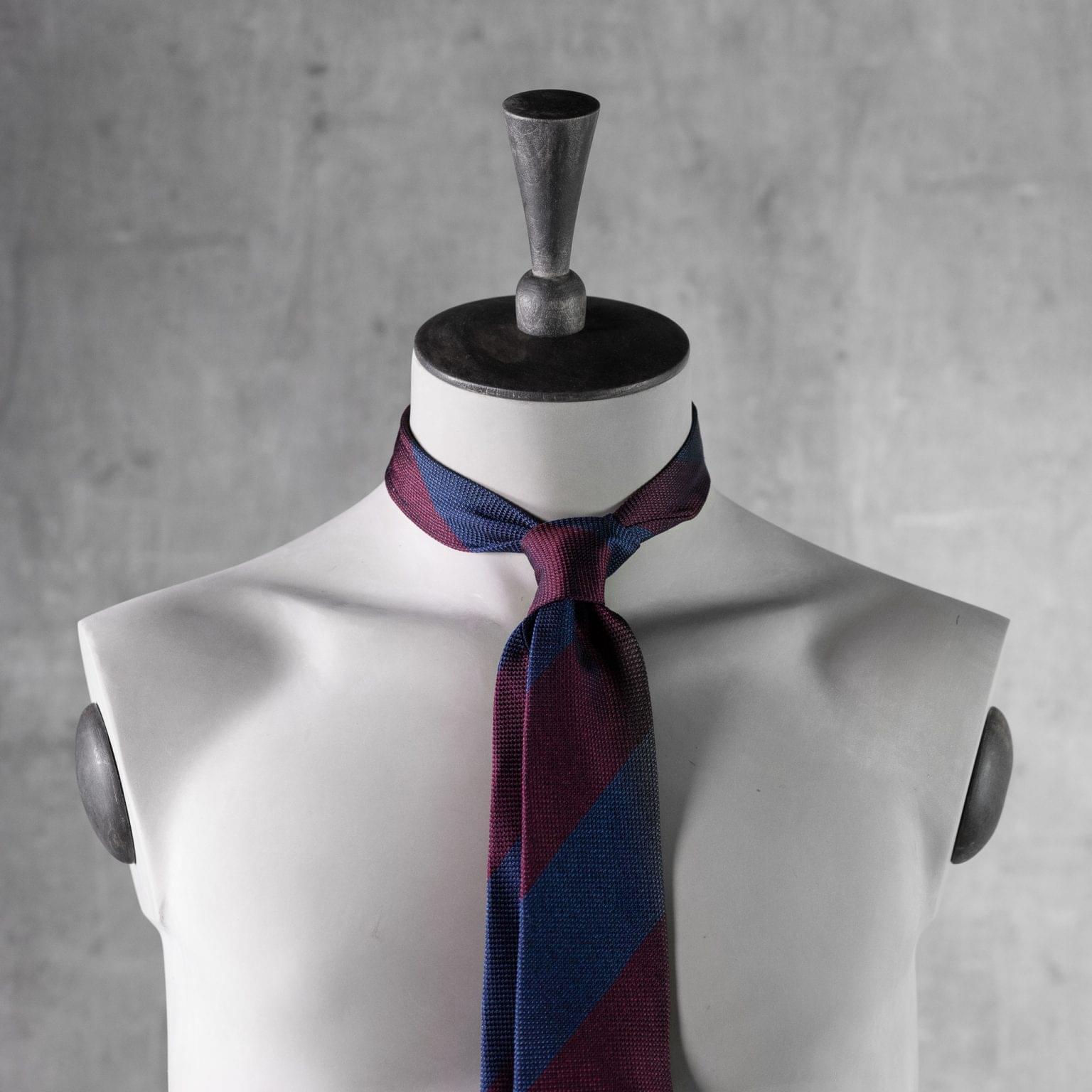 GRENADINE-0357-Tie-Initials-Corbata-Iniciales-The-Seelk-3