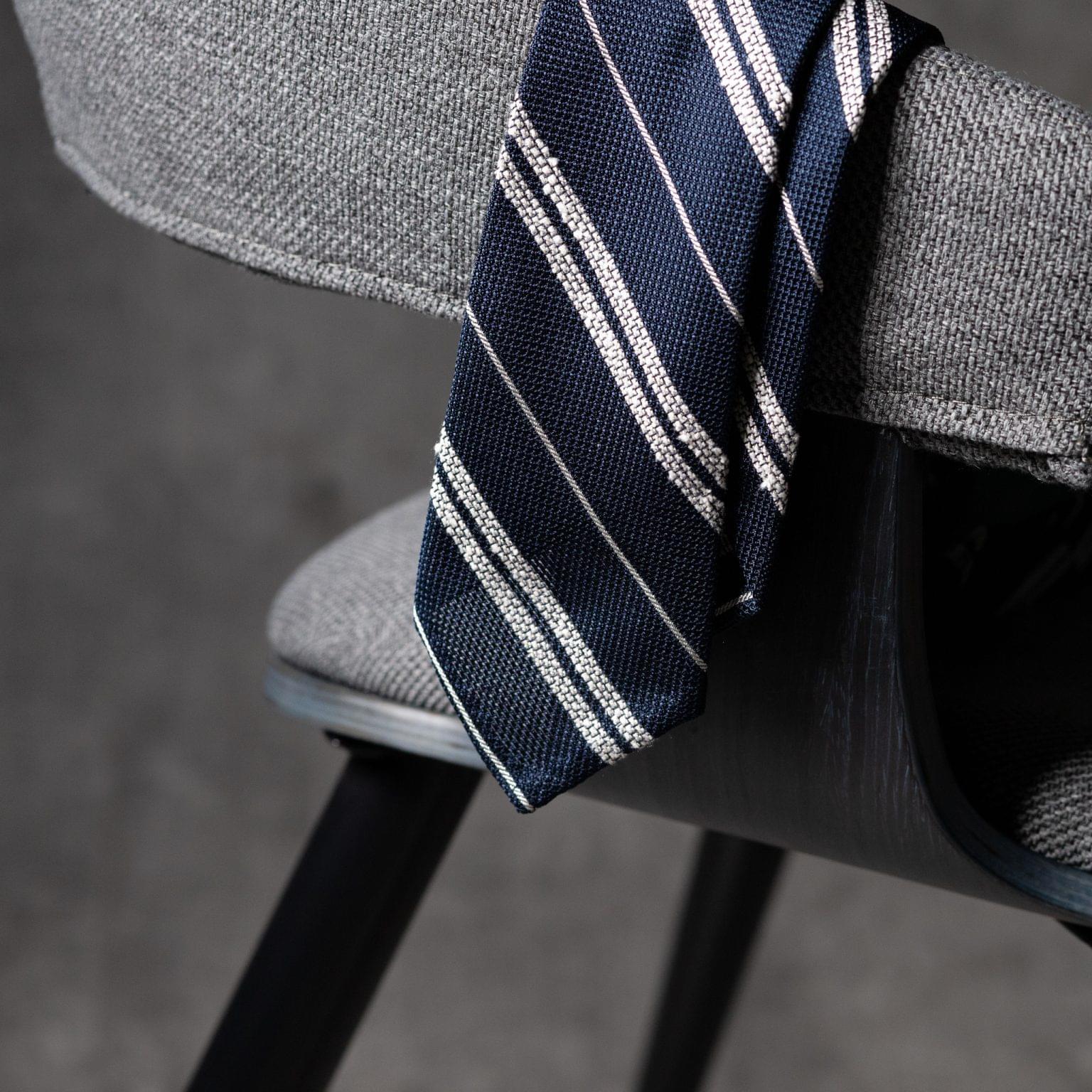 GRENADINE-0360-Tie-Initials-Corbata-Iniciales-The-Seelk-2