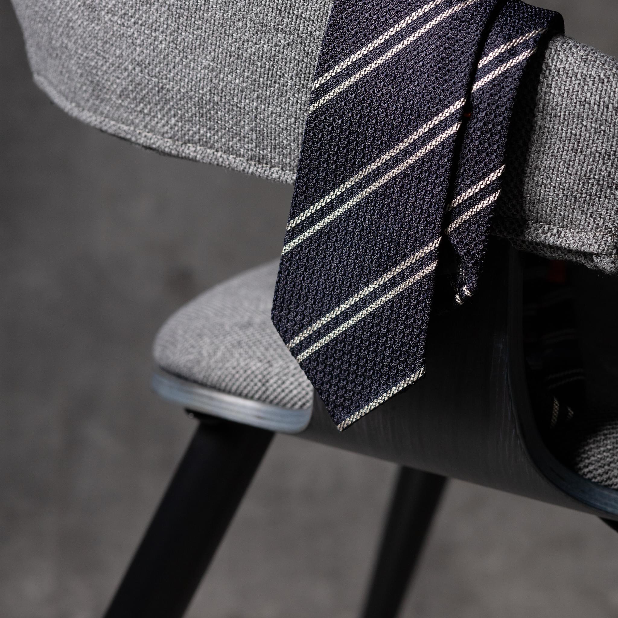GRENADINE-0442-Tie-Initials-Corbata-Iniciales-The-Seelk-2
