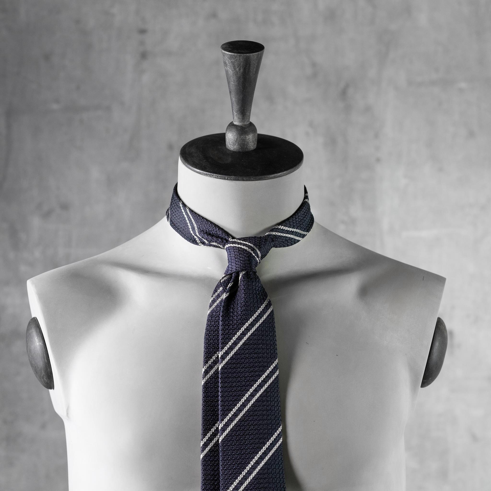 GRENADINE-0442-Tie-Initials-Corbata-Iniciales-The-Seelk-4