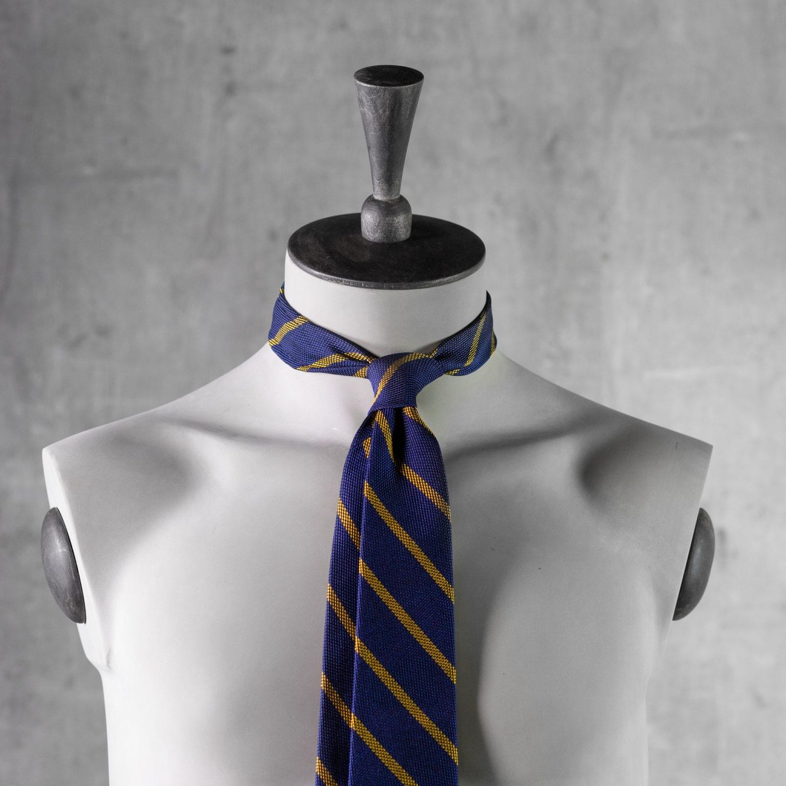 GRENADINE-0444-Tie-Initials-Corbata-Iniciales-The-Seelk-3