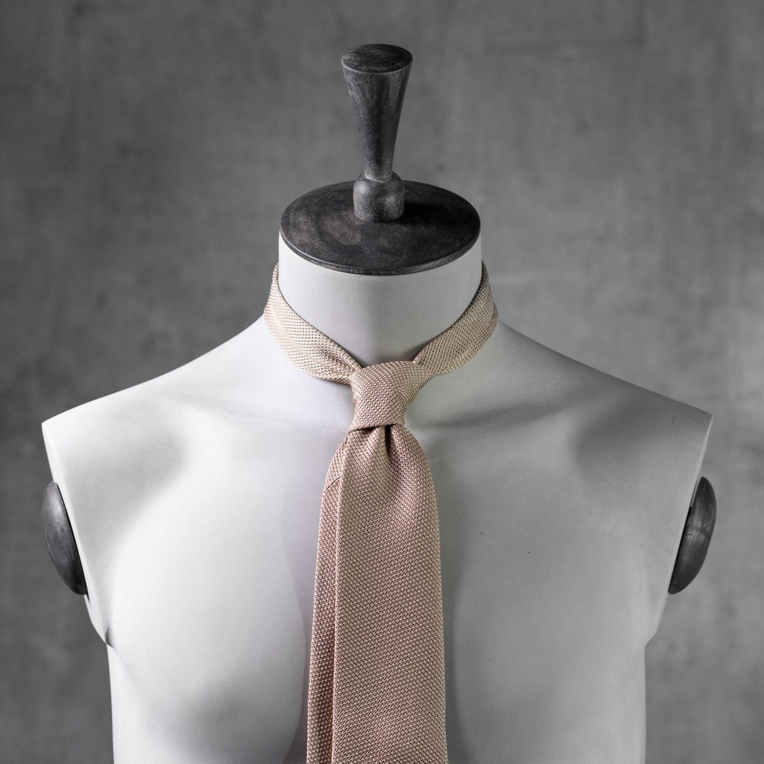 GRENADINE-0463-Tie-Initials-Corbata-Iniciales-The-Seelk-3