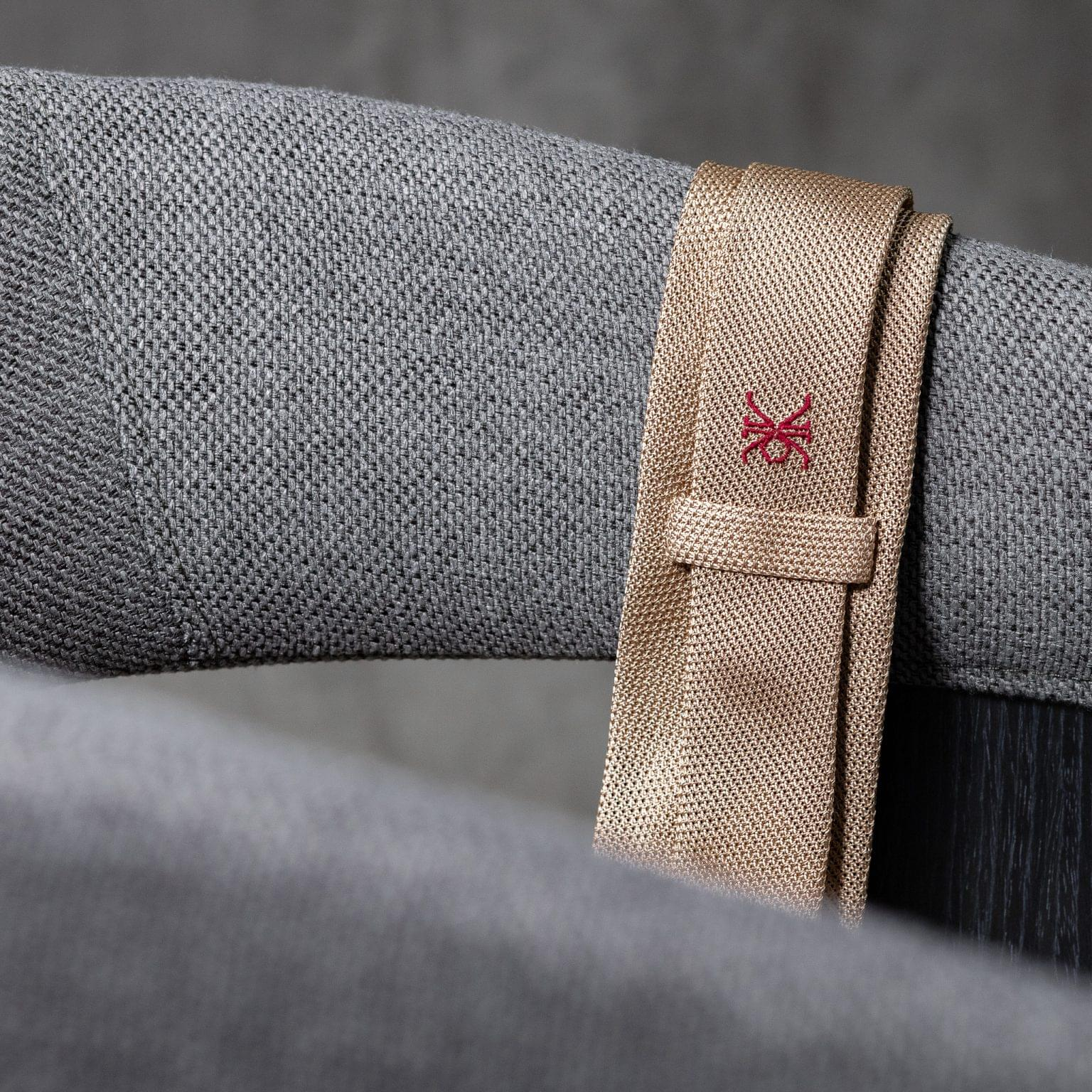 GRENADINE-0463-Tie-Initials-Corbata-Iniciales-The-Seelk-4