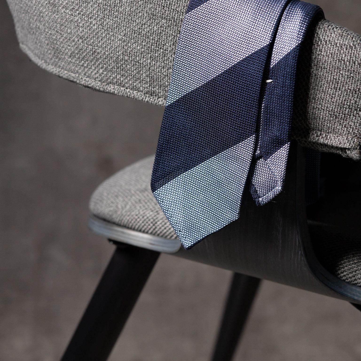 GRENADINE-0522-Tie-Initials-Corbata-Iniciales-The-Seelk-2