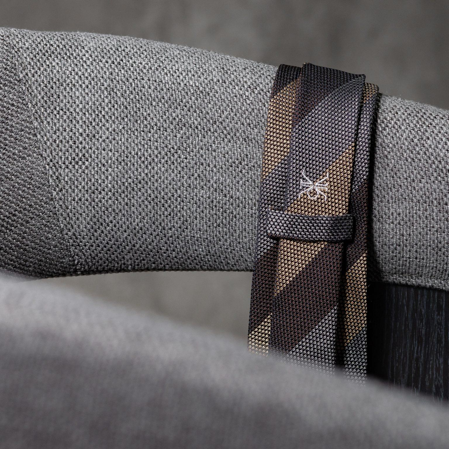GRENADINE-0532-Tie-Initials-Corbata-Iniciales-The-Seelk-4