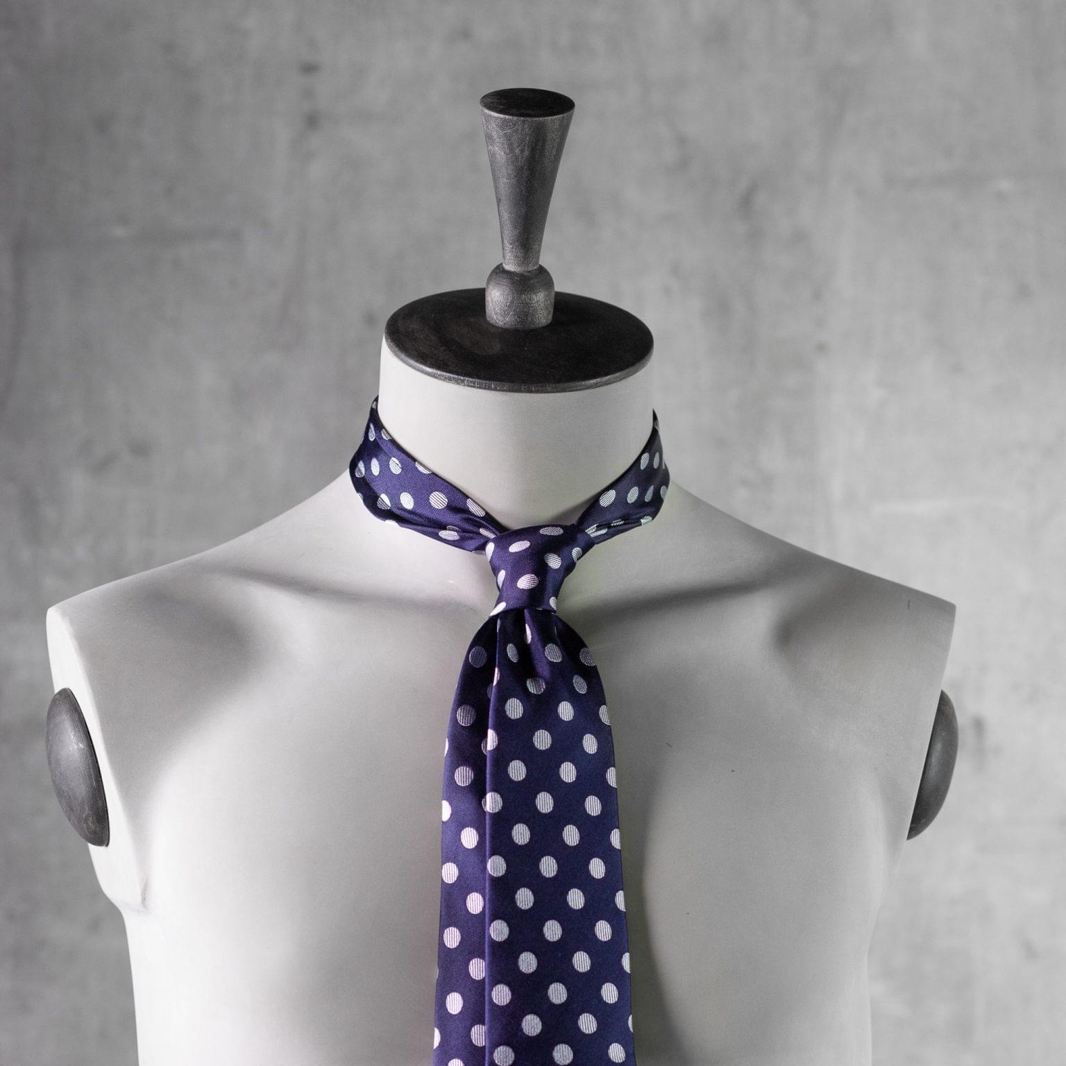 JACQUARD-0335-Tie-Initials-Corbata-Iniciales-The-Seelk-3