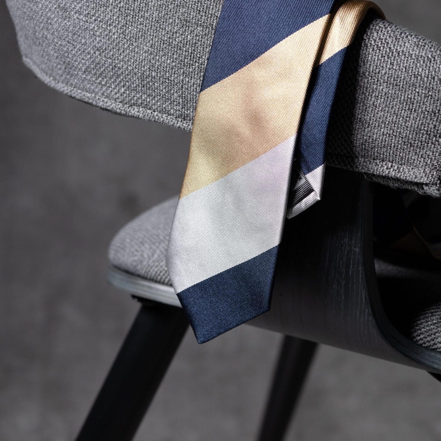 JACQUARD-0541-Tie-Initials-Corbata-Iniciales-The-Seelk-2