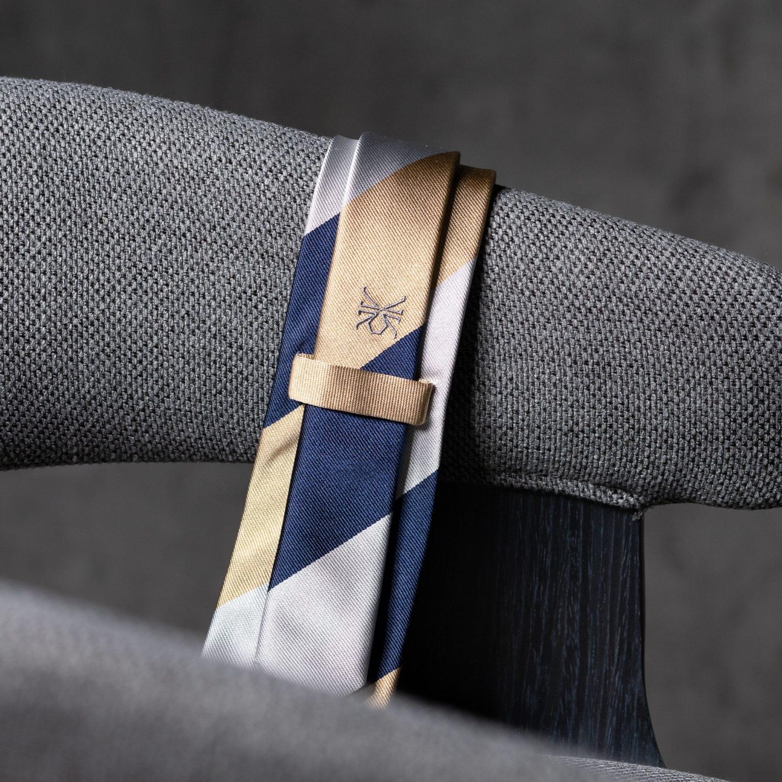 JACQUARD-0541-Tie-Initials-Corbata-Iniciales-The-Seelk-4