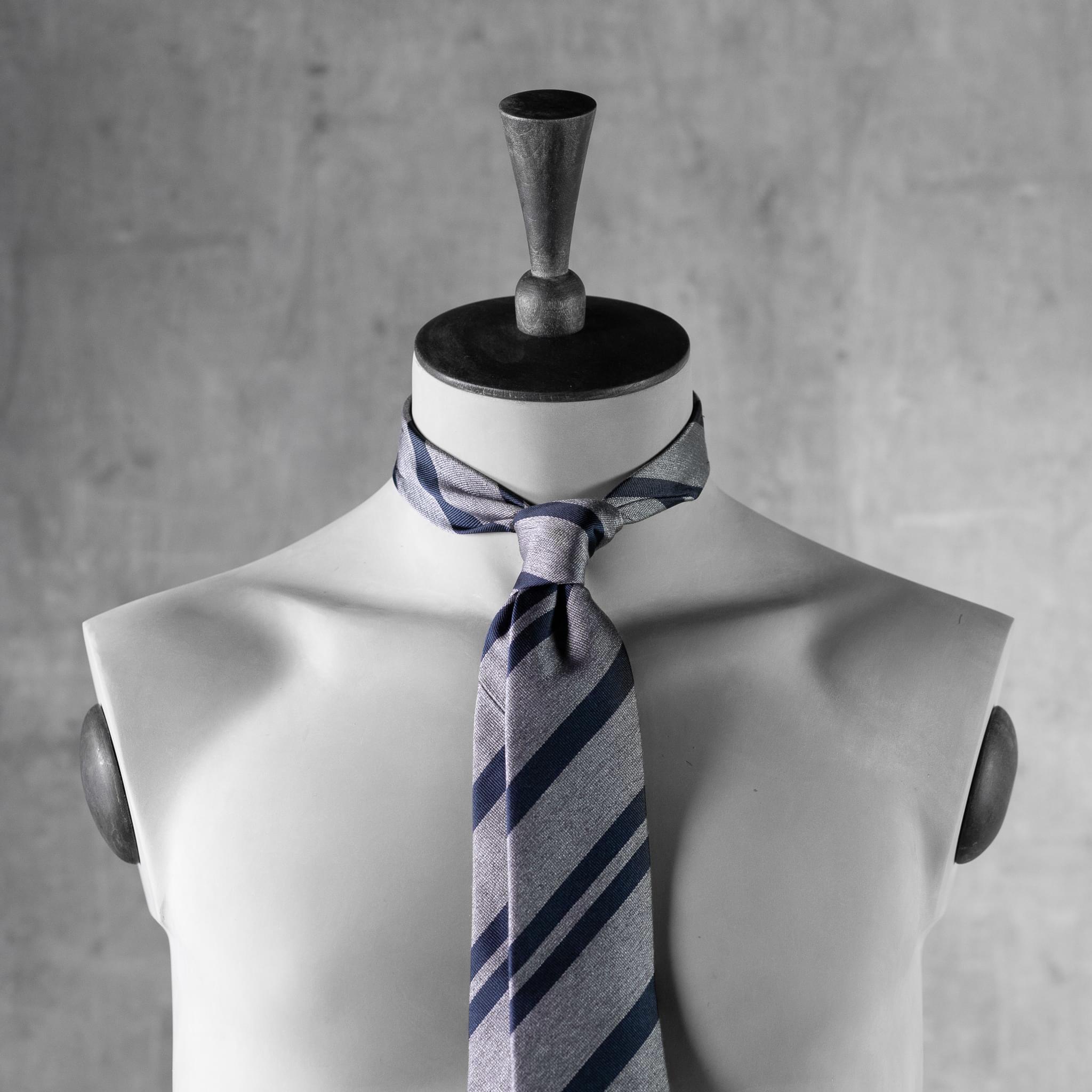 JACQUARD-0542-Tie-Initials-Corbata-Iniciales-The-Seelk-3