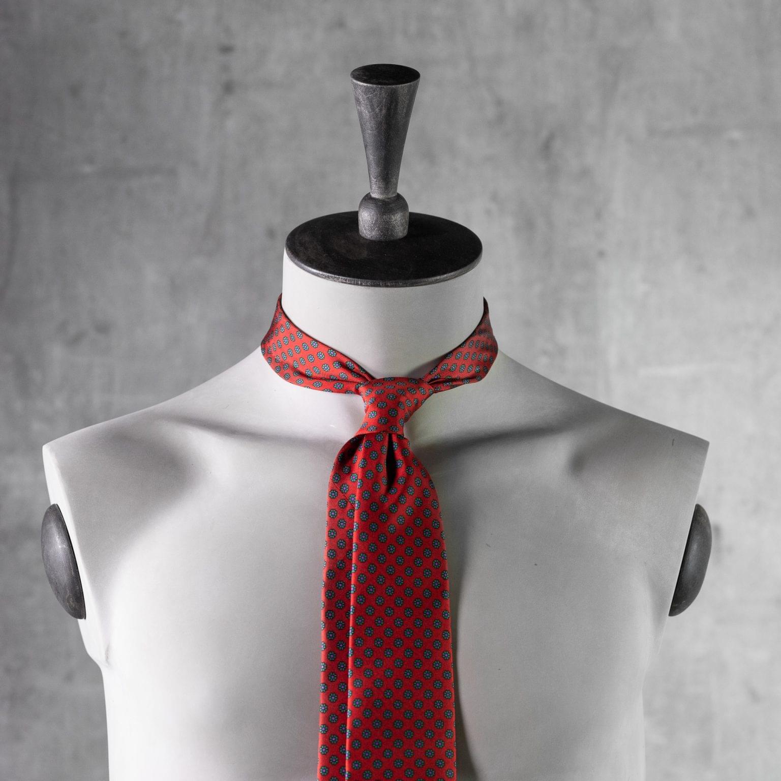 PRINTED-SILK-SEDA-ESTAMPADA-0537-Tie-Initials-Corbata-Iniciales-The-Seelk-3