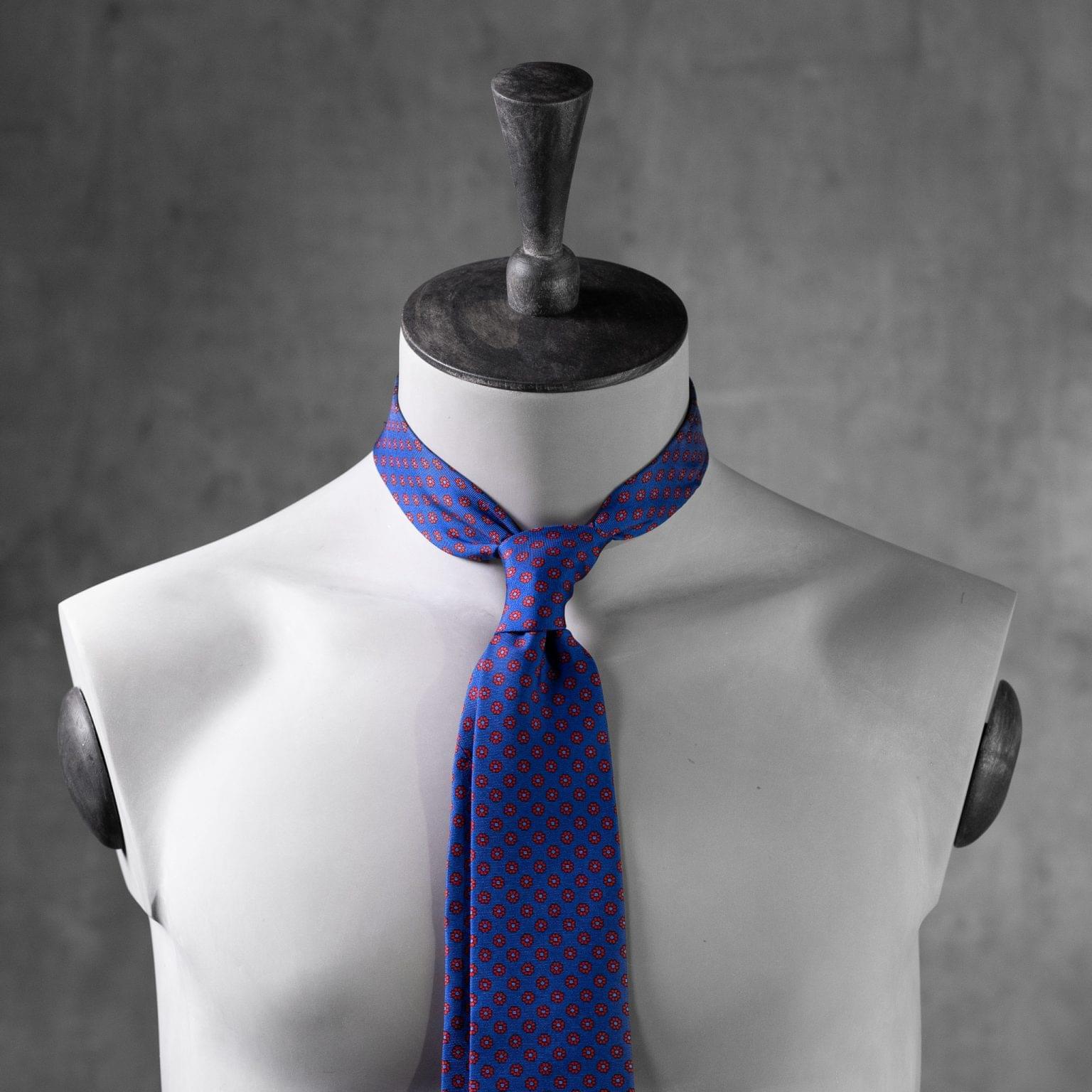 PRINTED-SILK-SEDA-ESTAMPADA-0538-Tie-Initials-Corbata-Iniciales-The-Seelk-3