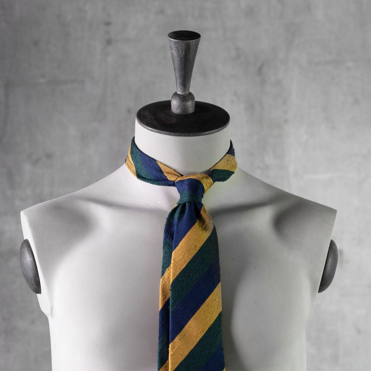 SHANTUNG-0355-Tie-Initials-Corbata-Iniciales-The-Seelk-3