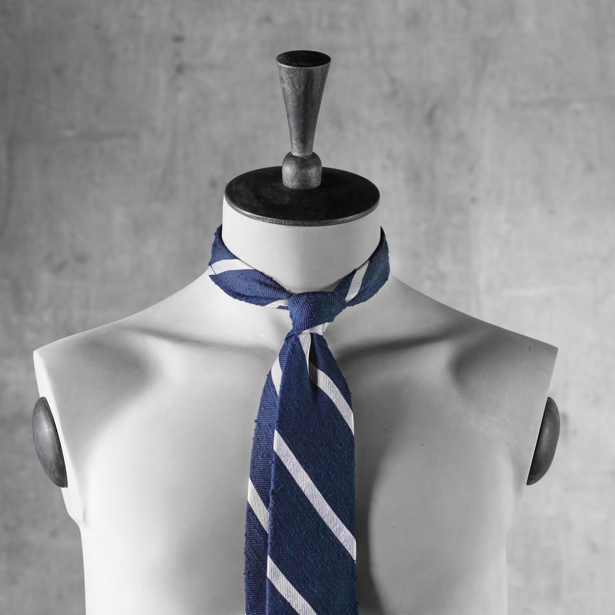 SHANTUNG-0361-Tie-Initials-Corbata-Iniciales-The-Seelk-4