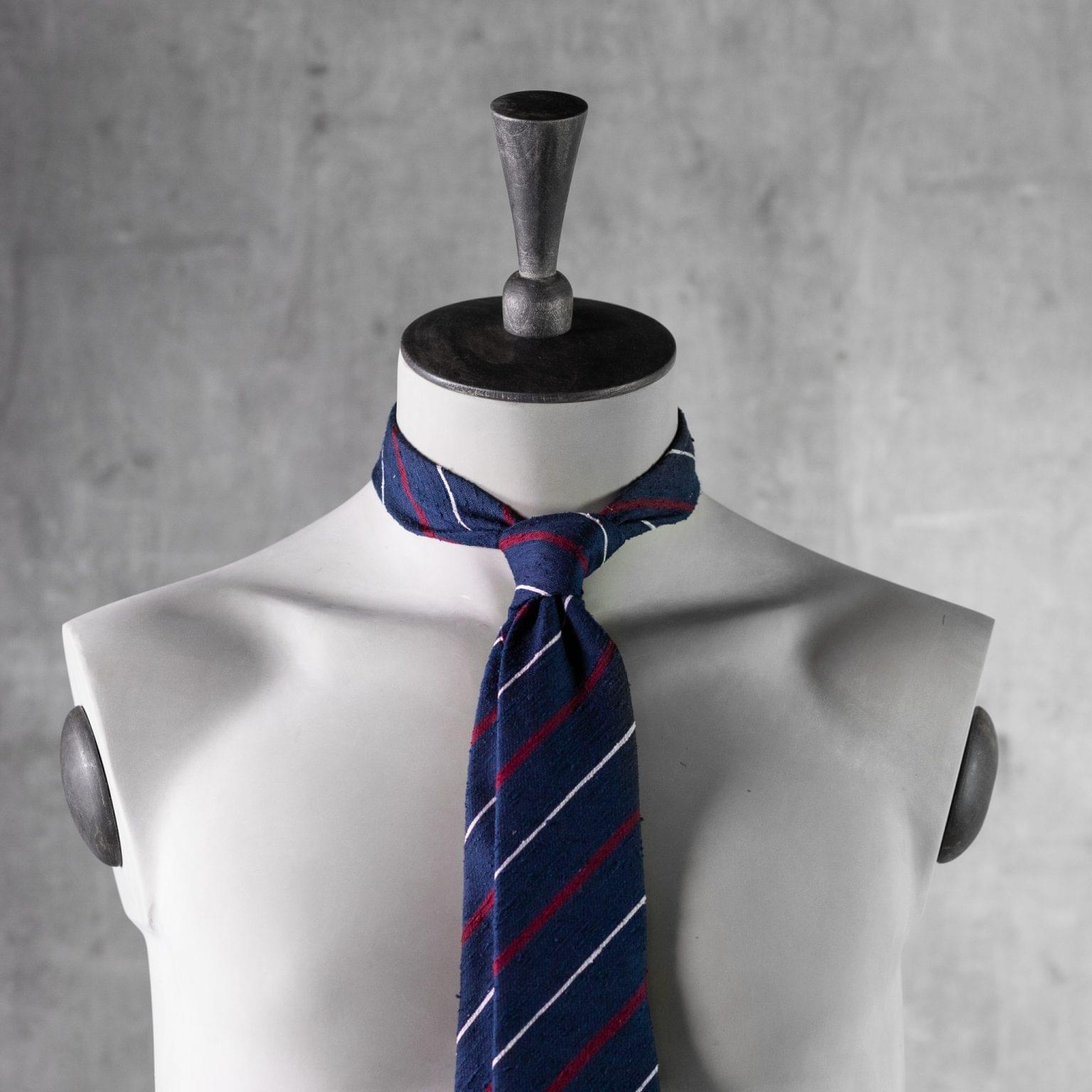 SHANTUNG-0525-Tie-Initials-Corbata-Iniciales-The-Seelk-3