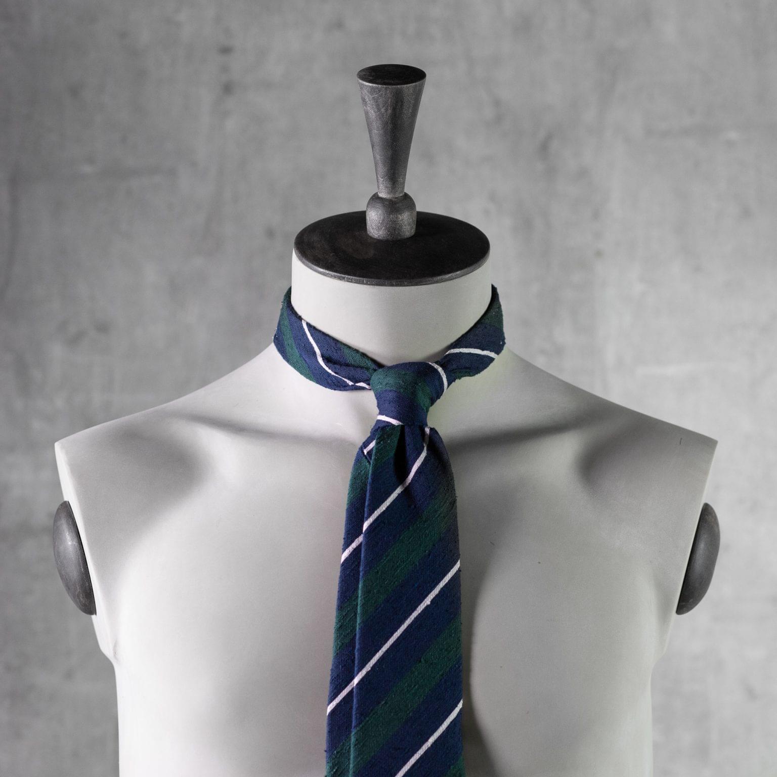 SHANTUNG-0526-Tie-Initials-Corbata-Iniciales-The-Seelk-3