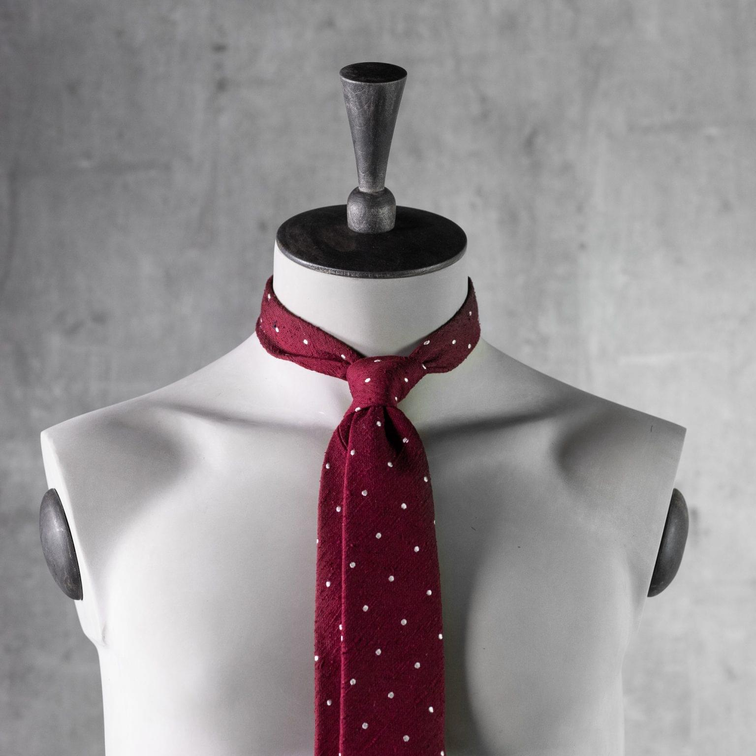 SHANTUNG-0528-Tie-Initials-Corbata-Iniciales-The-Seelk-3