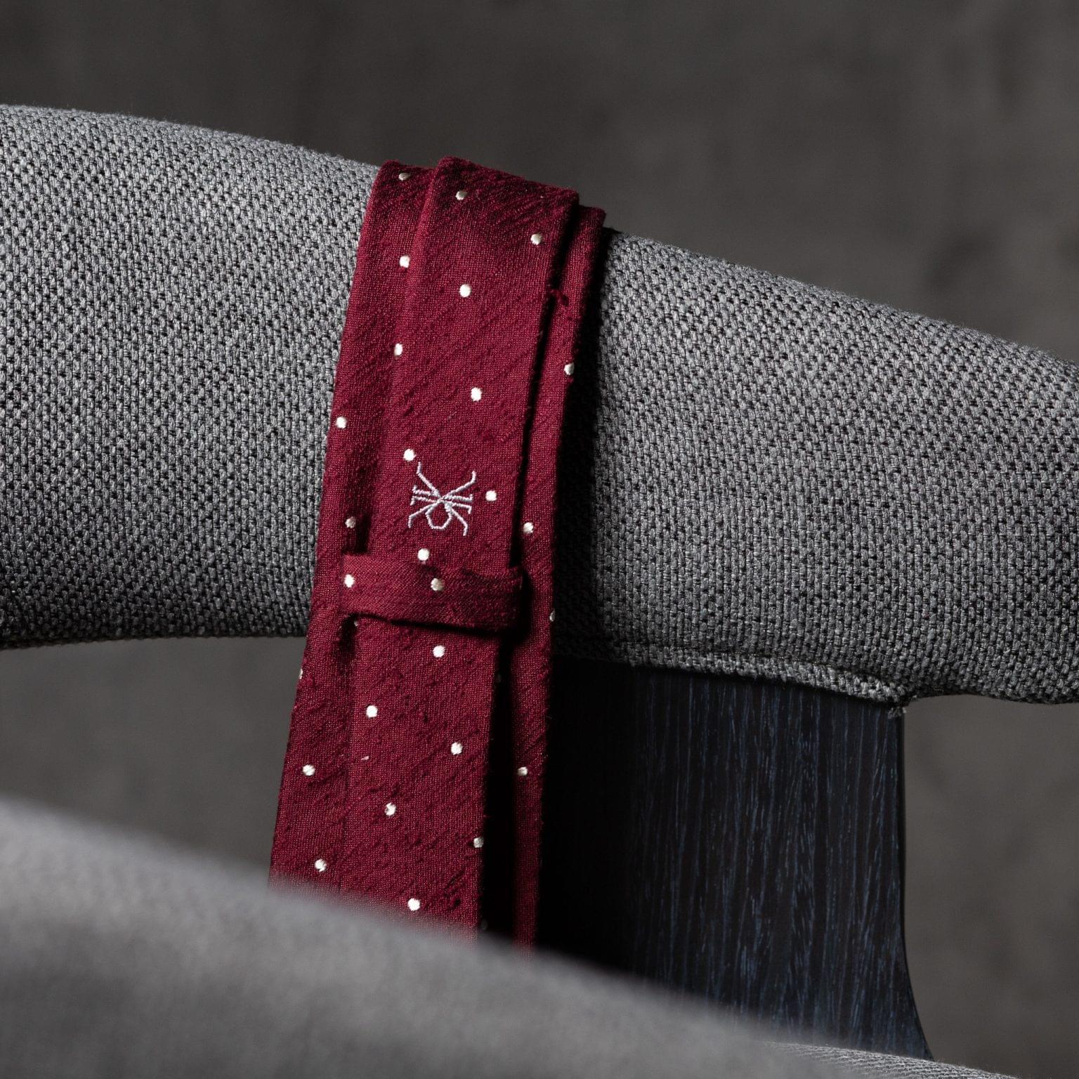 SHANTUNG-0528-Tie-Initials-Corbata-Iniciales-The-Seelk-4