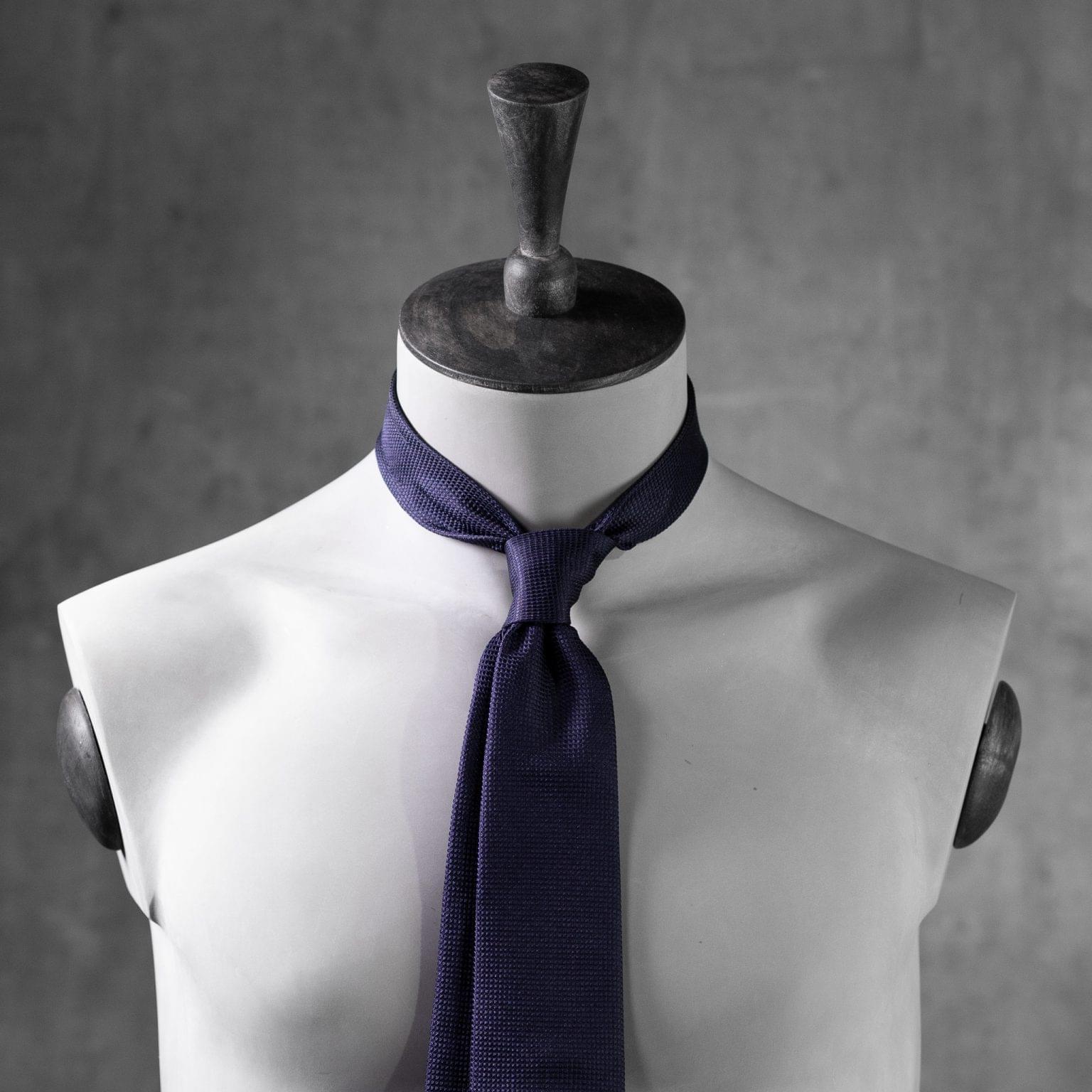 JACQUARD-0073-Tie-Initials-Corbata-Iniciales-The-Seelk-3