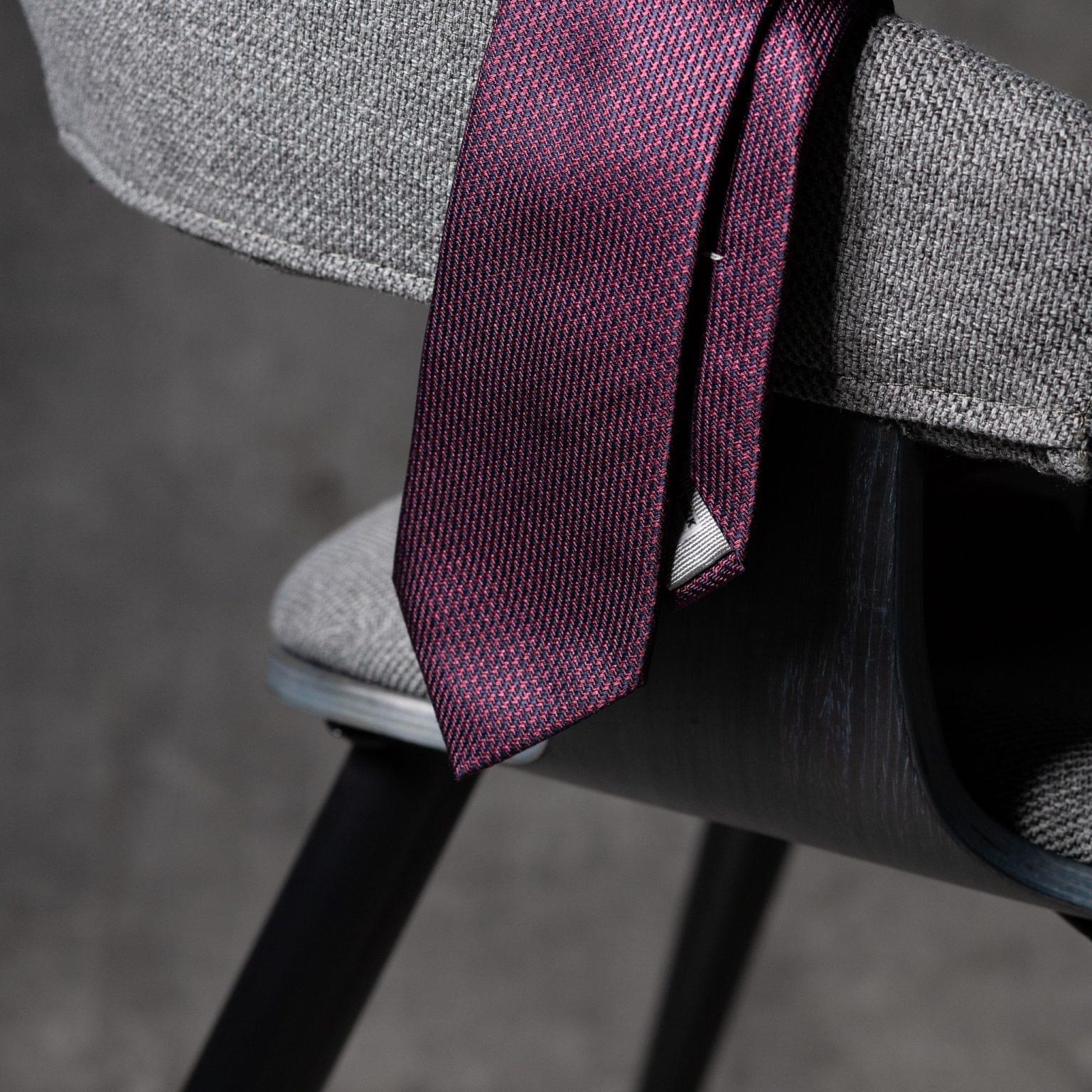 JACQUARD-0539-Tie-Initials-Corbata-Iniciales-The-Seelk-2