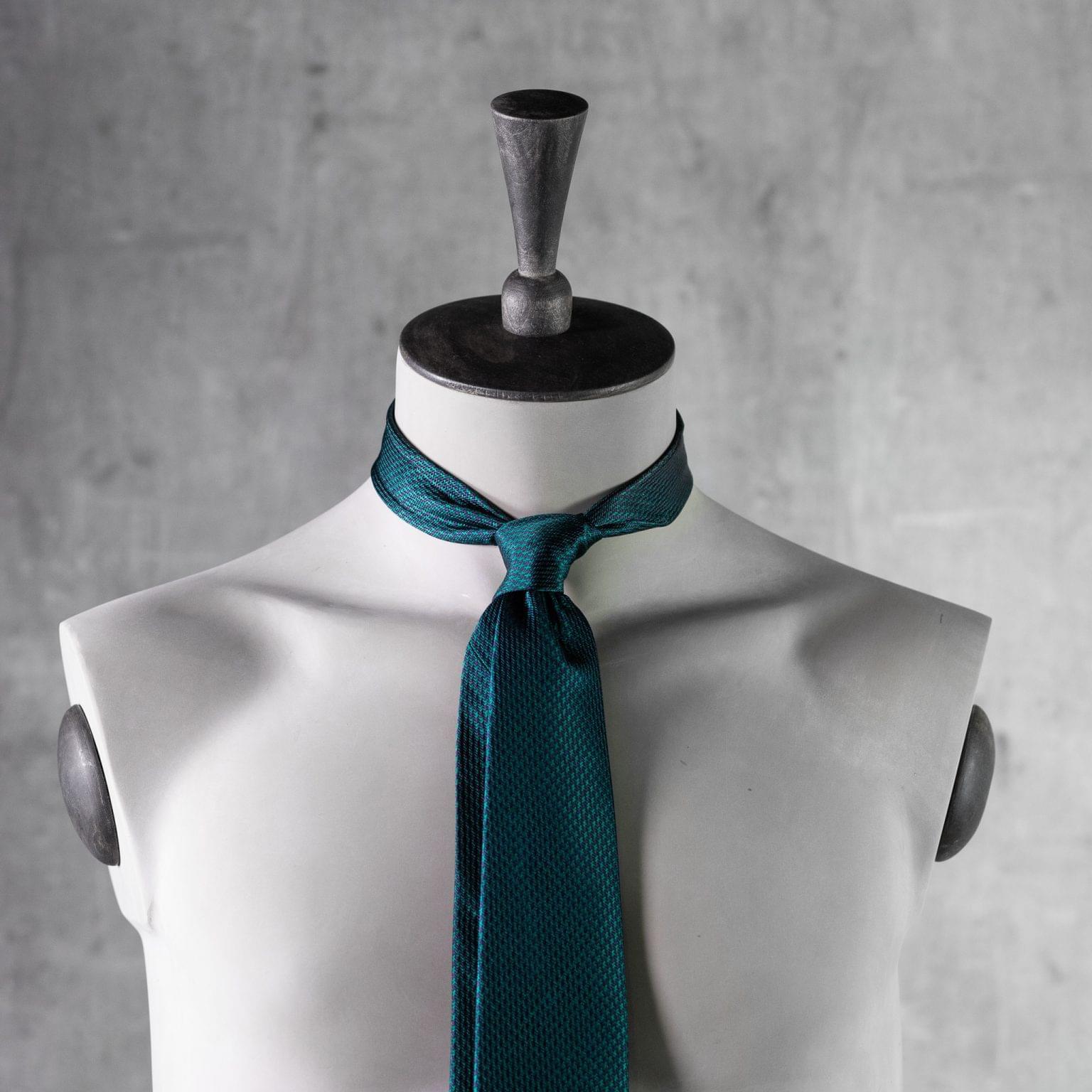 JACQUARD-0540-Tie-Initials-Corbata-Iniciales-The-Seelk-3