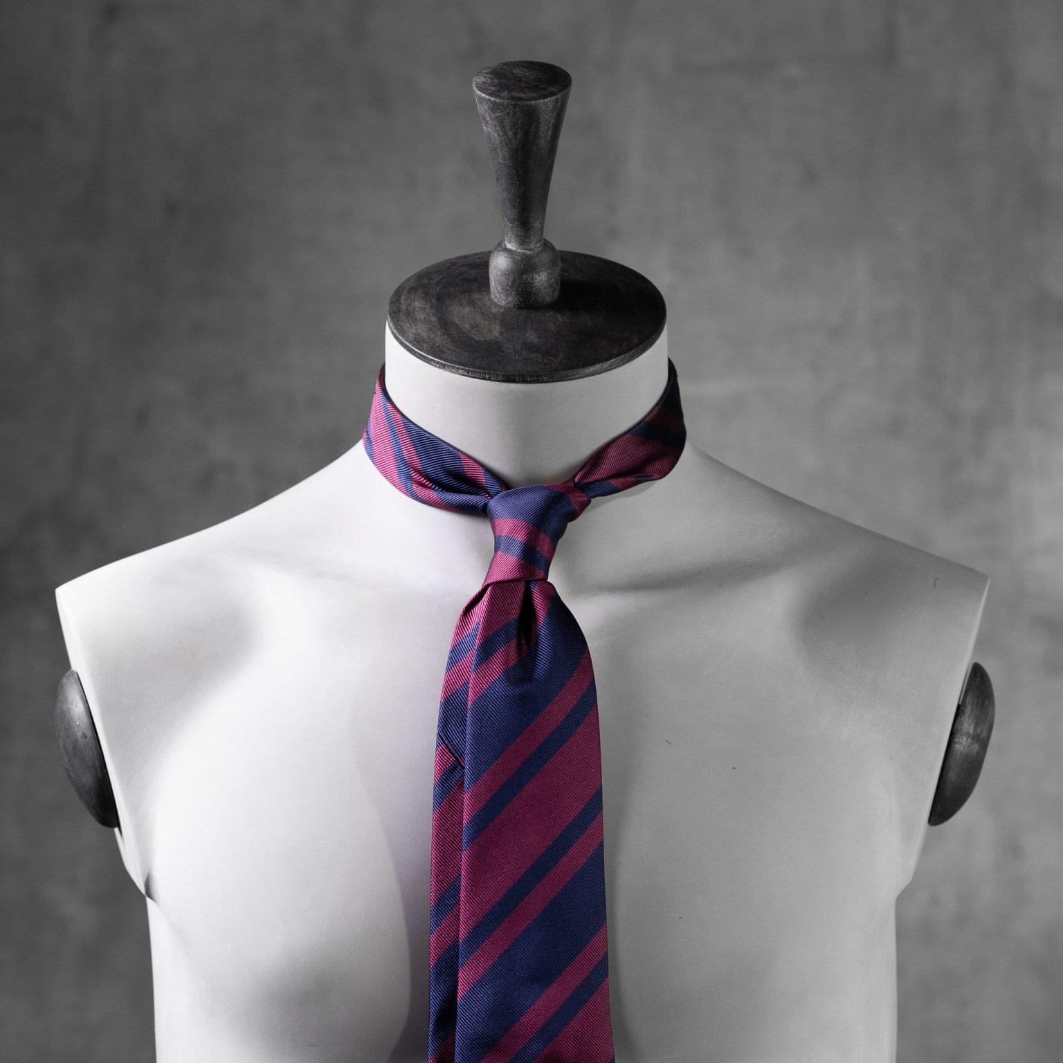 JACQUARD-0387-Tie-Initials-Corbata-Iniciales-The-Seelk-3