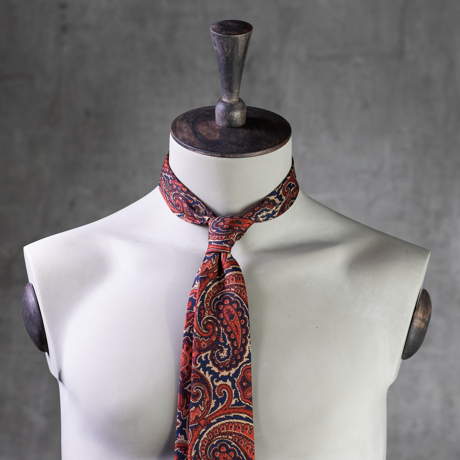 ANCIENT-MADDER-0182-Tie-Initials-Corbata-Iniciales-The-Seelk-2