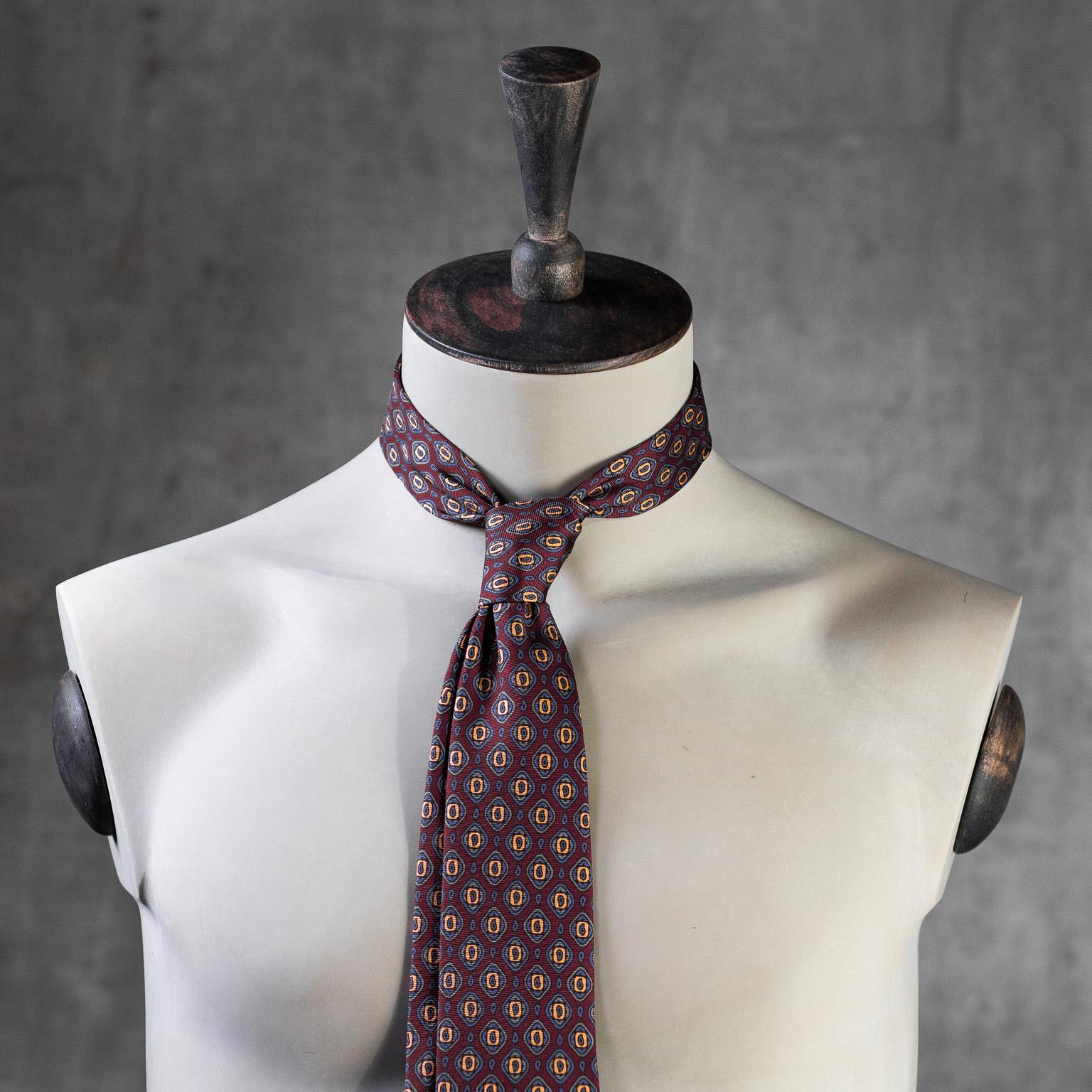 PRINTED-SILK-SEDA-ESTAMPADA-0578-Tie-Initials-Corbata-Iniciales-The-Seelk-2