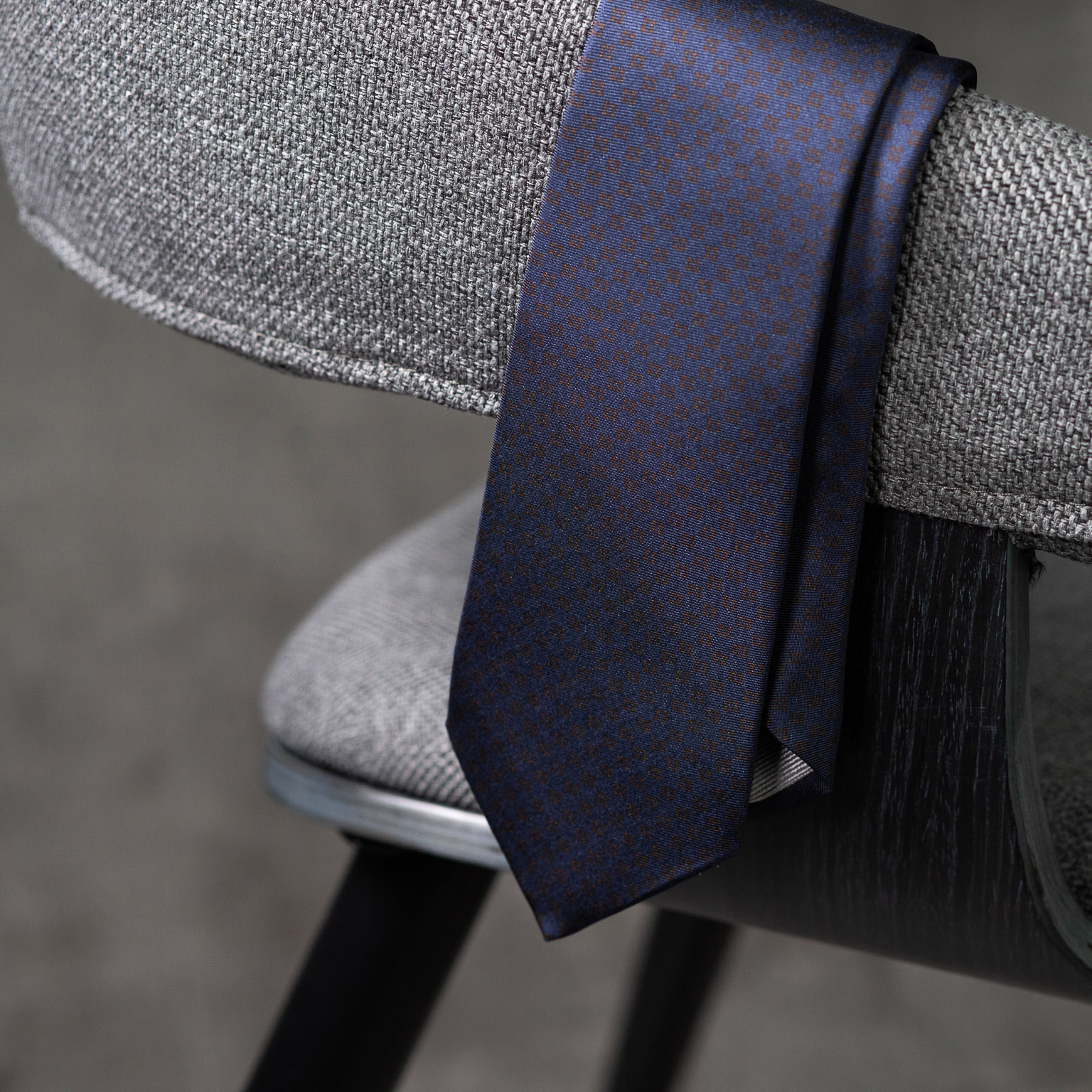 PRINTED-SILK-SEDA-ESTAMPADA-0582-Tie-Initials-Corbata-Iniciales-The-Seelk-3