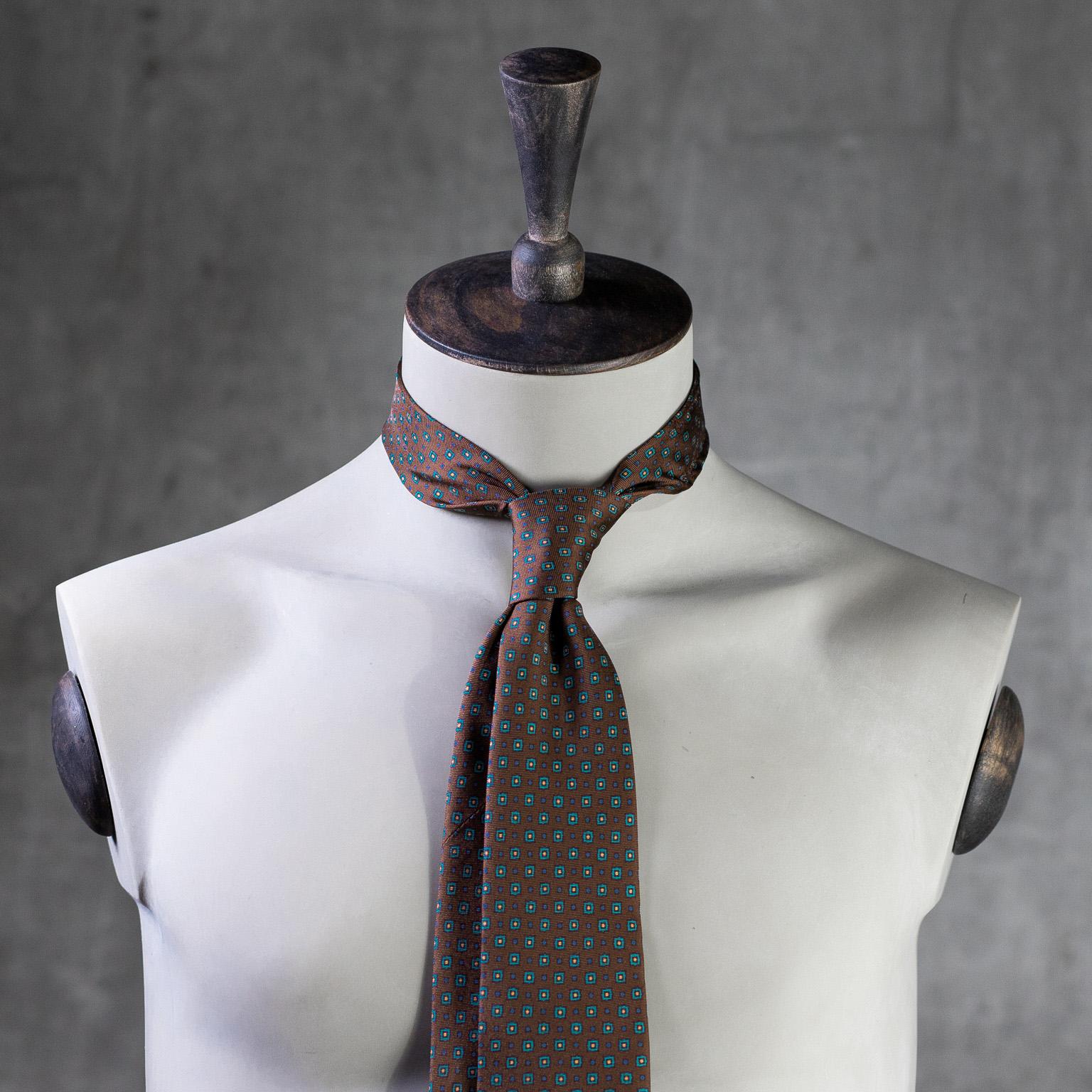 PRINTED-SILK-SEDA-ESTAMPADA-0588-Tie-Initials-Corbata-Iniciales-The-Seelk-2