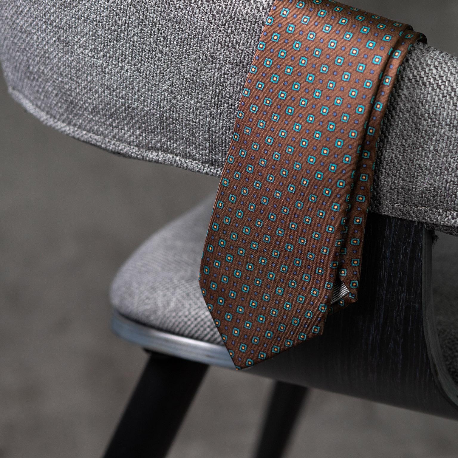 PRINTED-SILK-SEDA-ESTAMPADA-0588-Tie-Initials-Corbata-Iniciales-The-Seelk-3