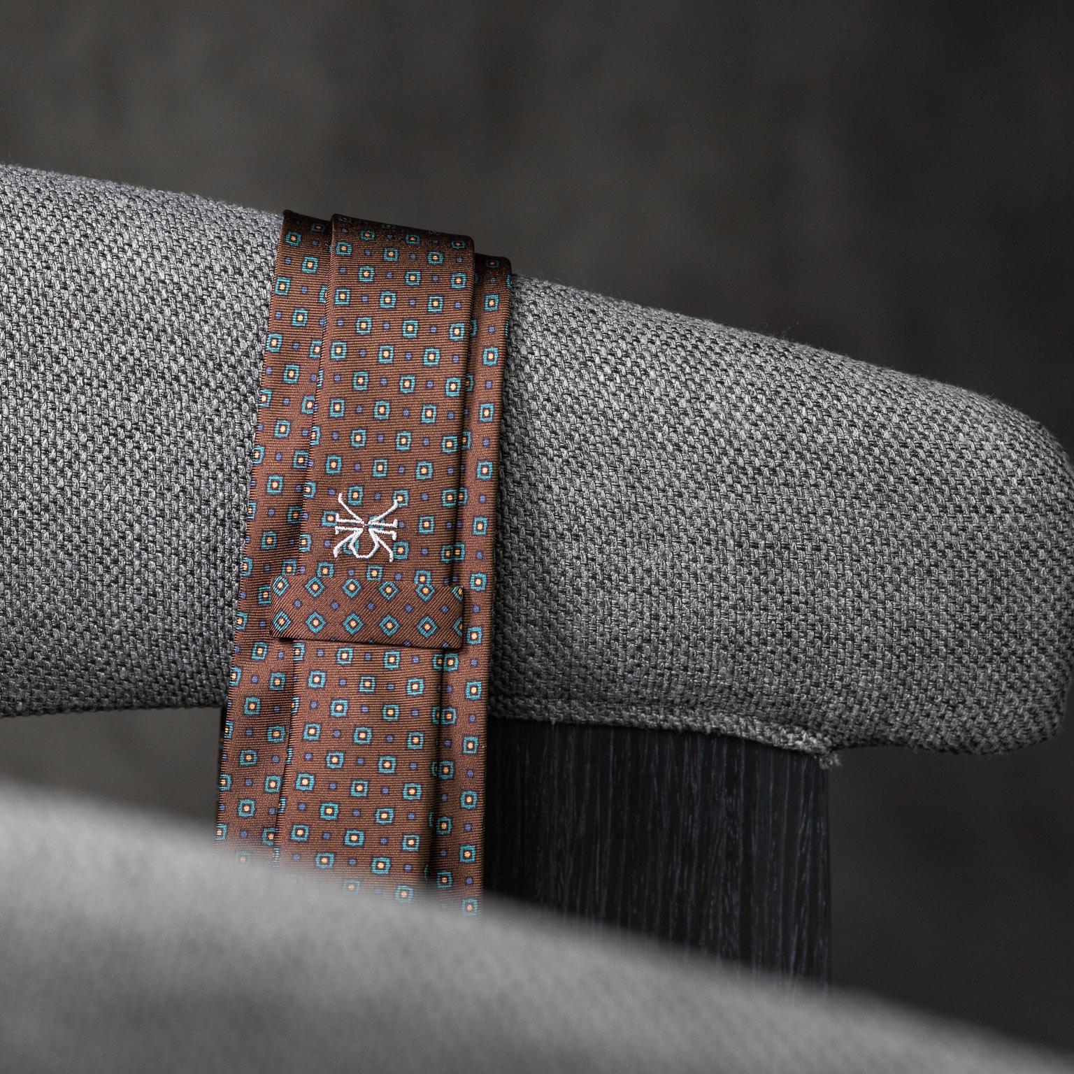 PRINTED-SILK-SEDA-ESTAMPADA-0588-Tie-Initials-Corbata-Iniciales-The-Seelk-4