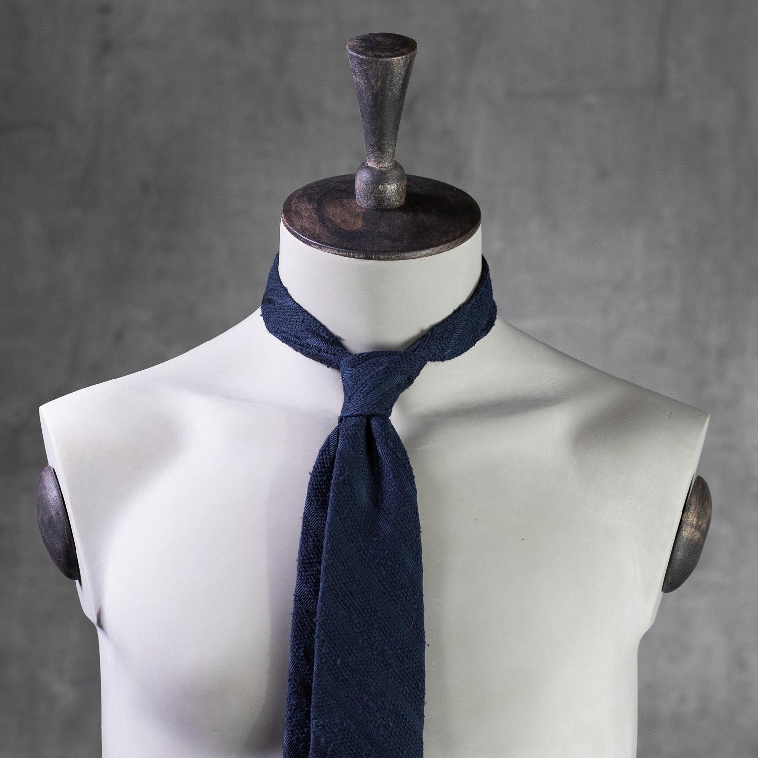 SHANTUNG-0358-Tie-Initials-Corbata-Iniciales-The-Seelk-3