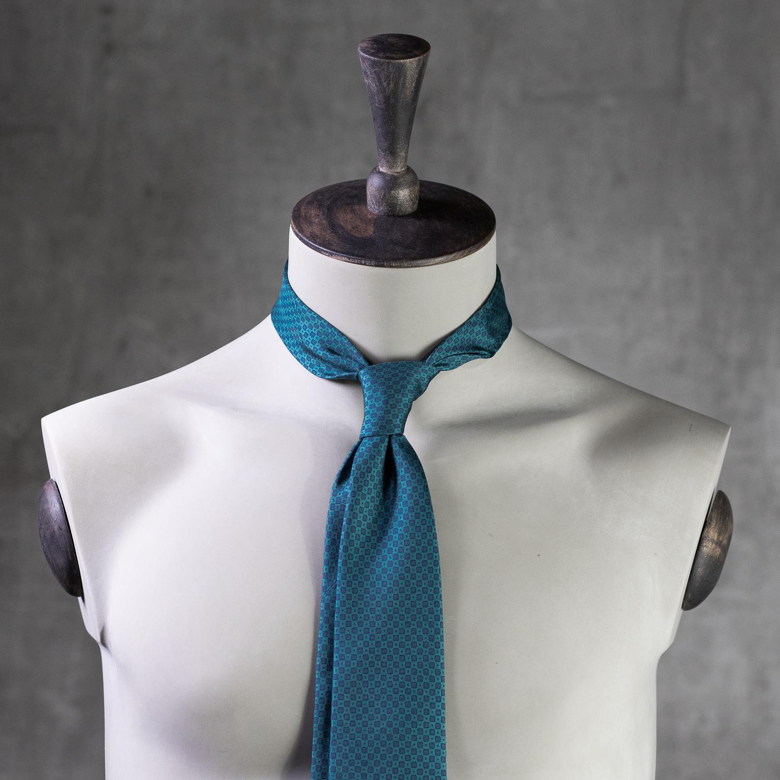 PRINTED-SILK-SEDA-ESTAMPADA-0571-Tie-Initials-Corbata-Iniciales-The-Seëlk-2