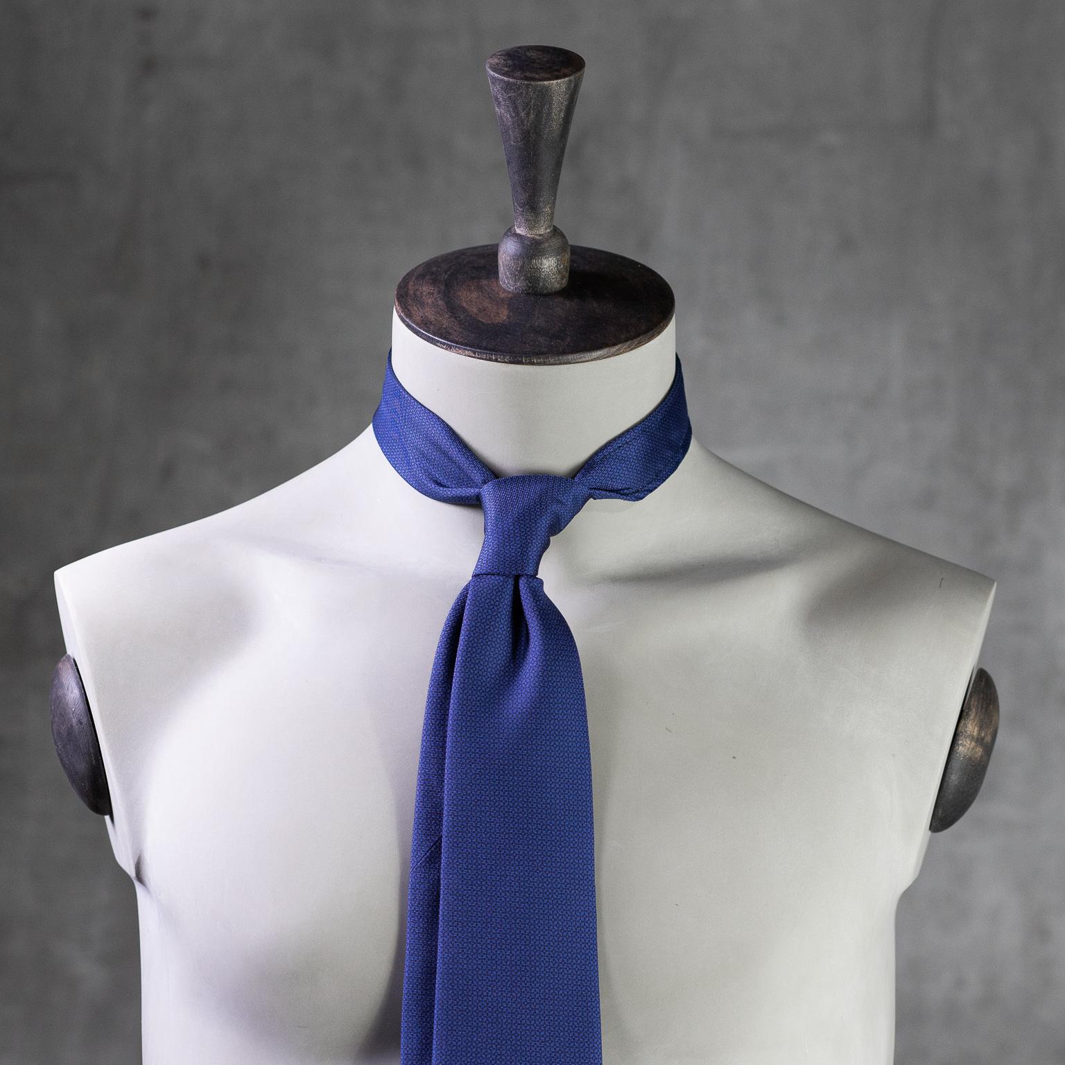 PRINTED-SILK-SEDA-ESTAMPADA-0572-Tie-Initials-Corbata-Iniciales-The-Seëlk-2