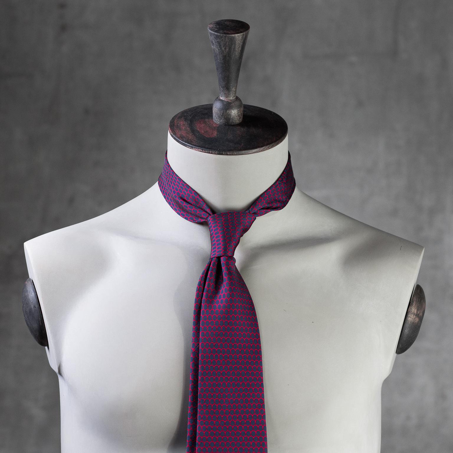 PRINTED-SILK-SEDA-ESTAMPADA-0573-Tie-Initials-Corbata-Iniciales-The-Seëlk-2