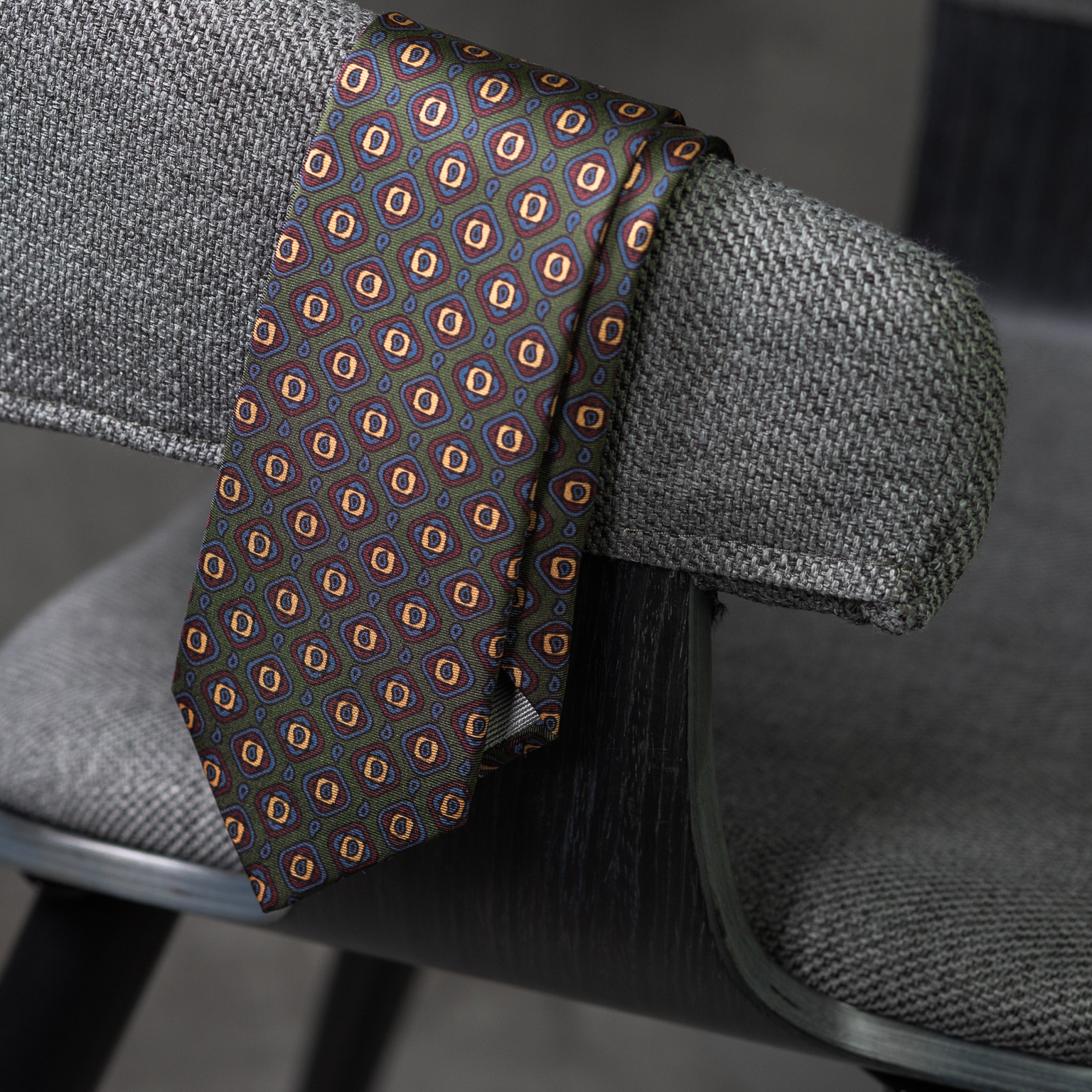 PRINTED-SILK-SEDA-ESTAMPADA-0579-Tie-Initials-Corbata-Iniciales-The-Seëlk-3