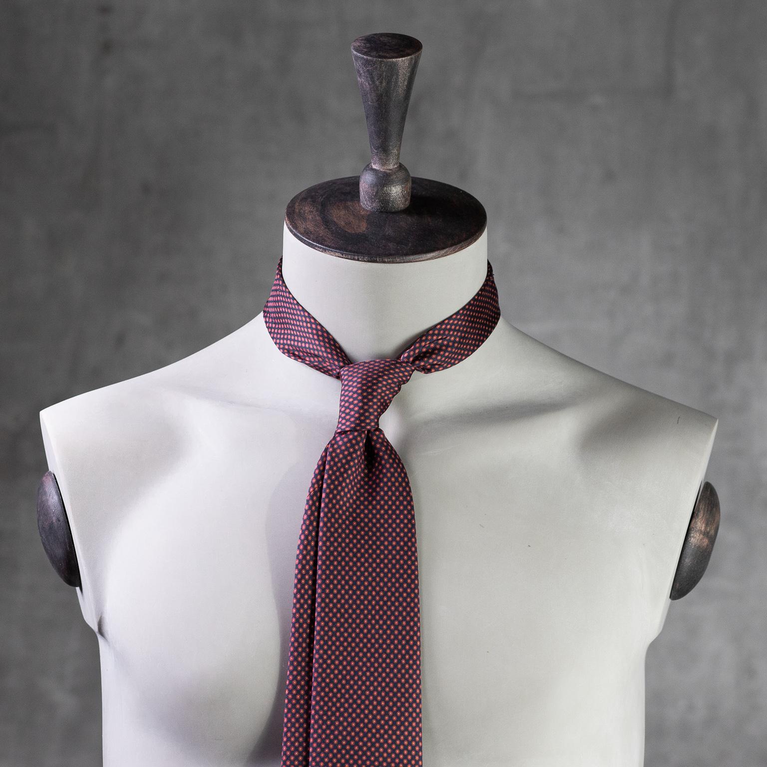PRINTED-SILK-SEDA-ESTAMPADA-0581-Tie-Initials-Corbata-Iniciales-The-Seëlk-2