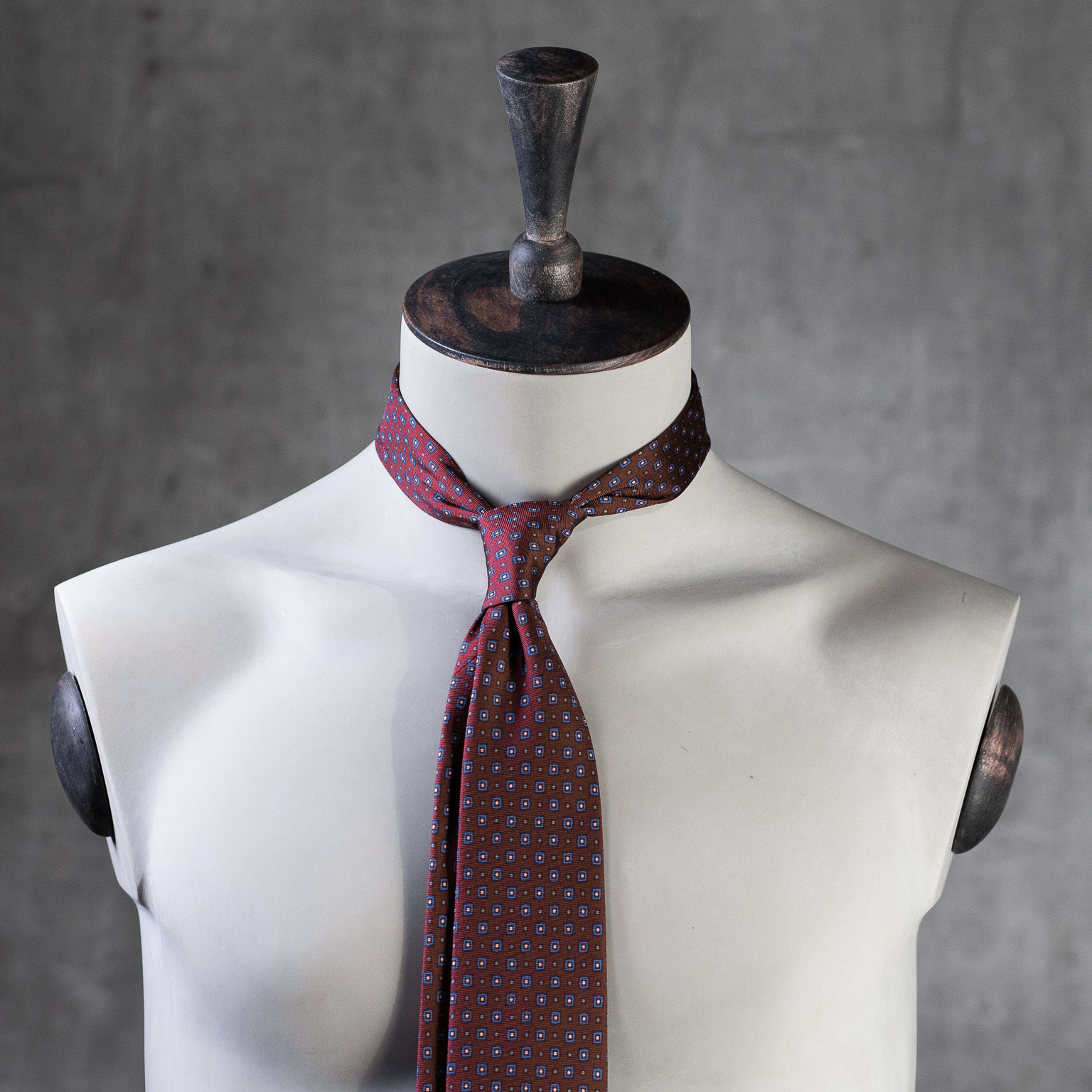 PRINTED-SILK-SEDA-ESTAMPADA-0587-Tie-Initials-Corbata-Iniciales-The-Seëlk-2