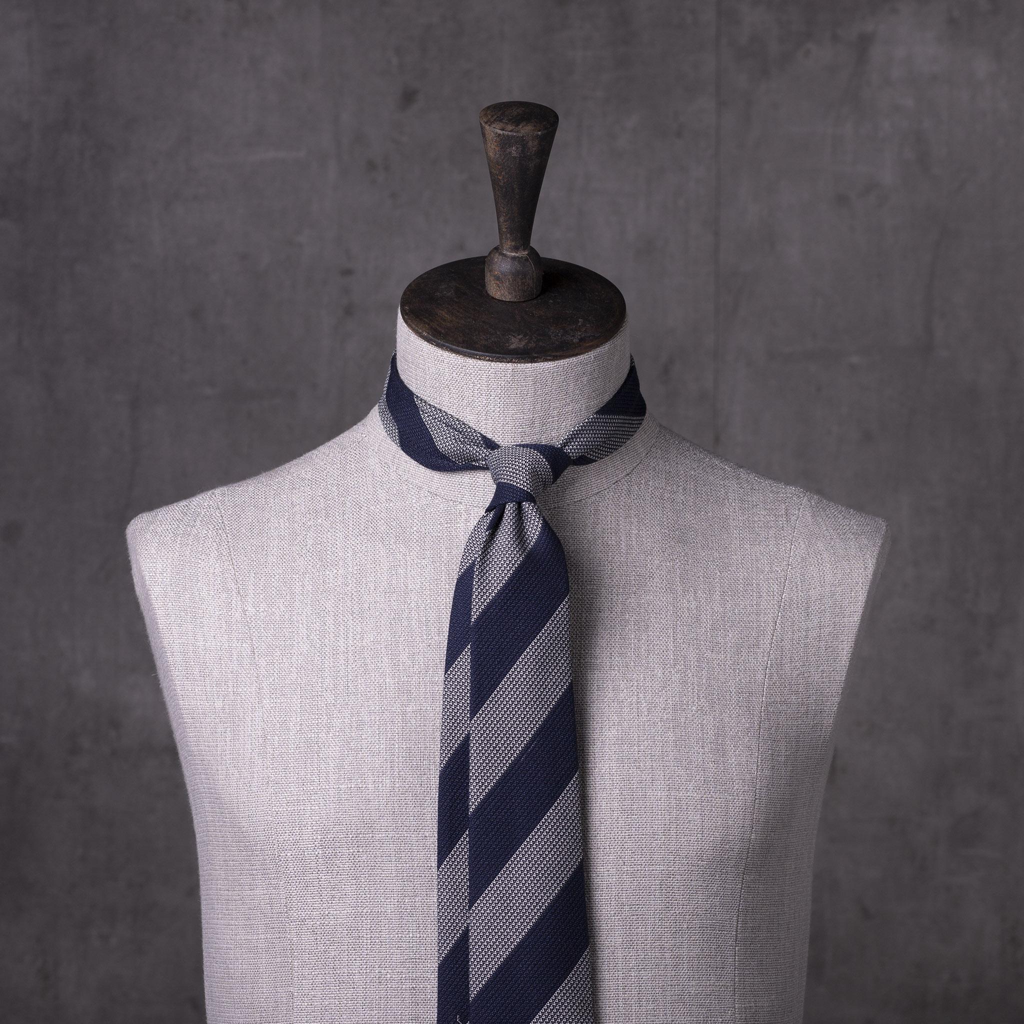 WOOL-SILK-GRENADINE-SEDA-LANA-0481-Tie-Initials-Corbata-Iniciales-The-Seelk-2