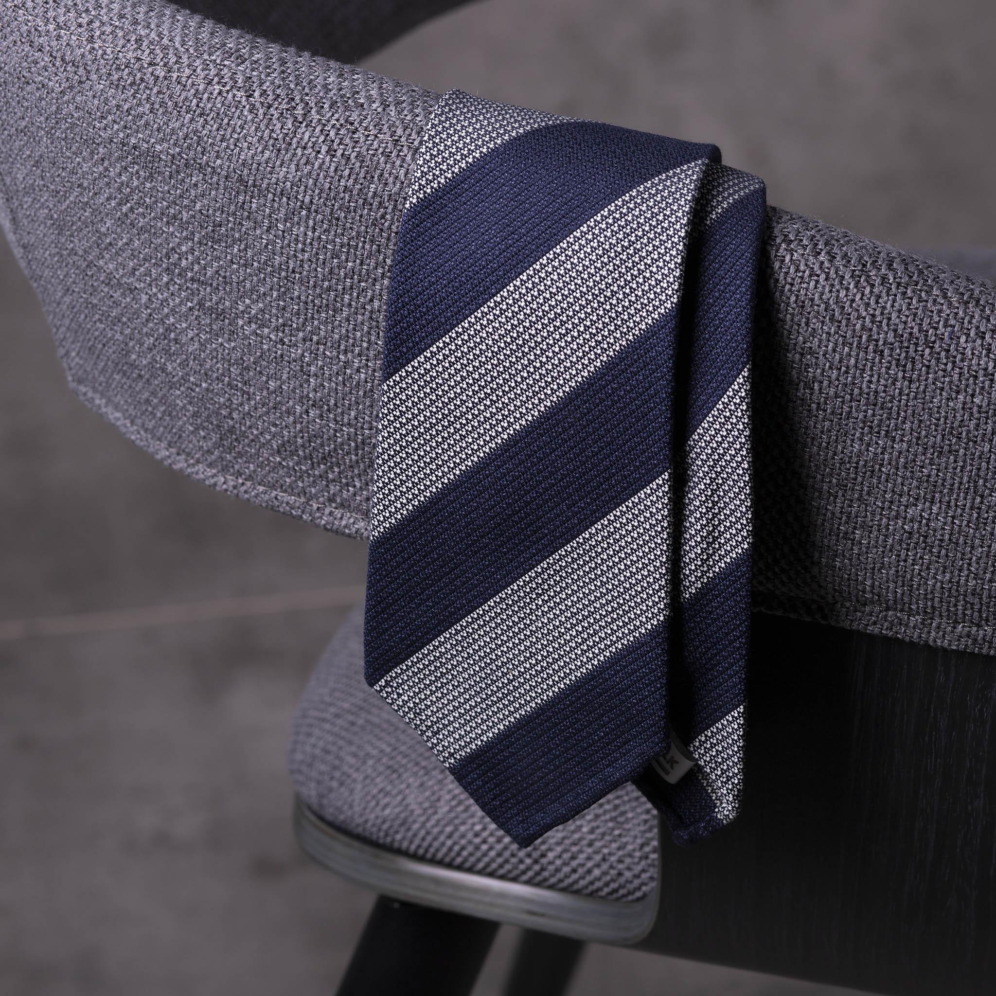 WOOL-SILK-GRENADINE-SEDA-LANA-0481-Tie-Initials-Corbata-Iniciales-The-Seelk-3