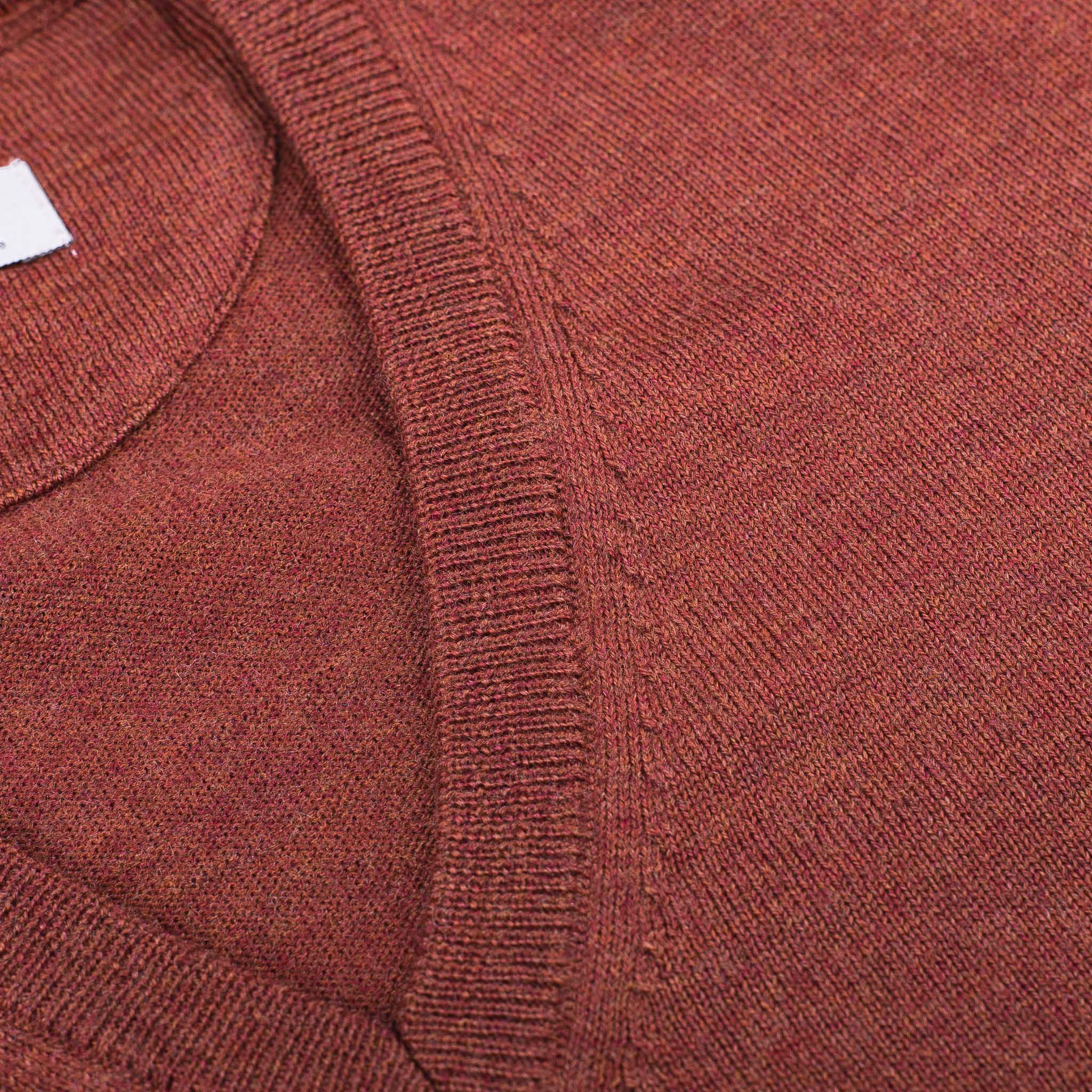 V-NECK-PULLOVER-JERSEY-CUELLO-DE-PICO-01-05-The-Seëlk-6