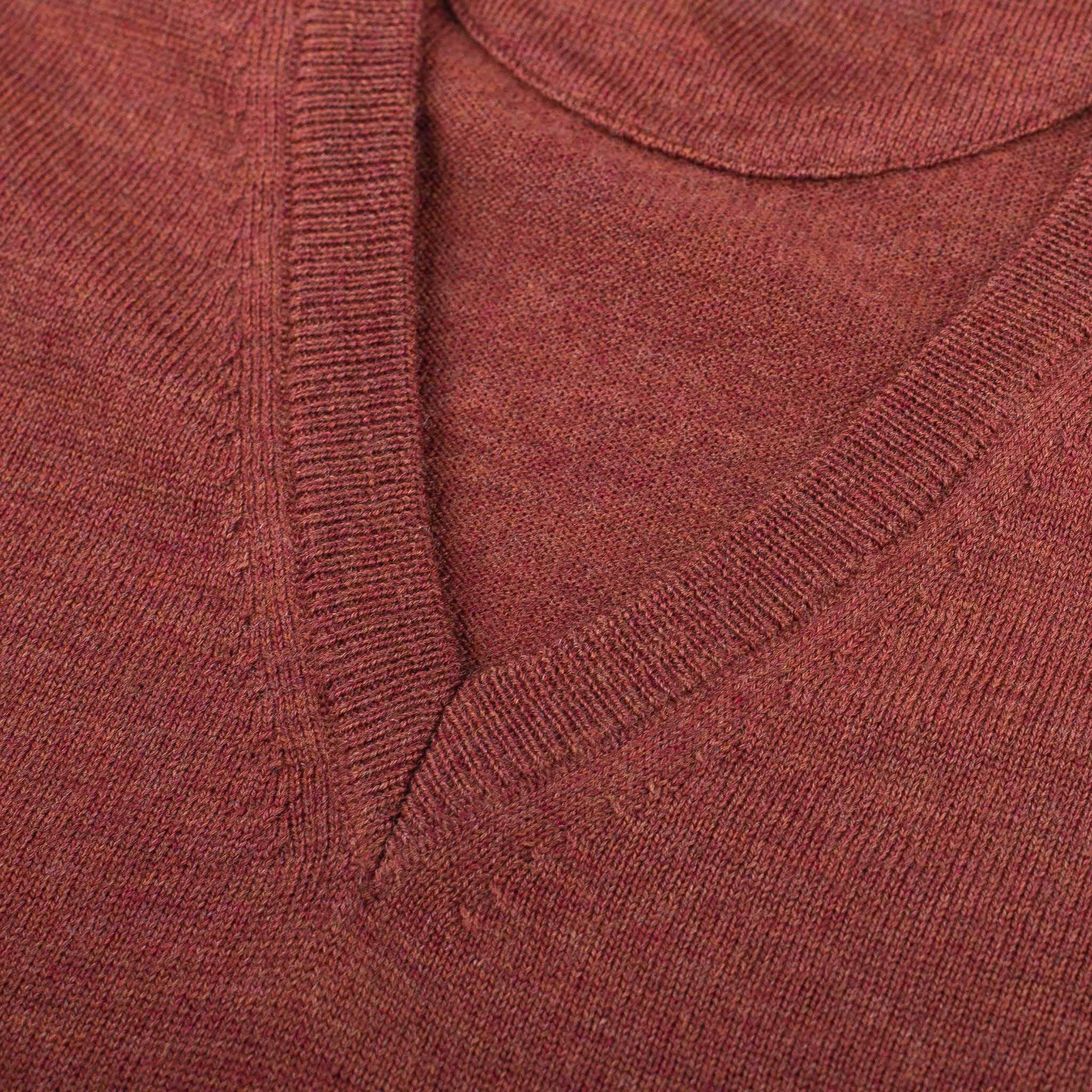 V-NECK-PULLOVER-JERSEY-CUELLO-DE-PICO-01-05-The-Seëlk-7