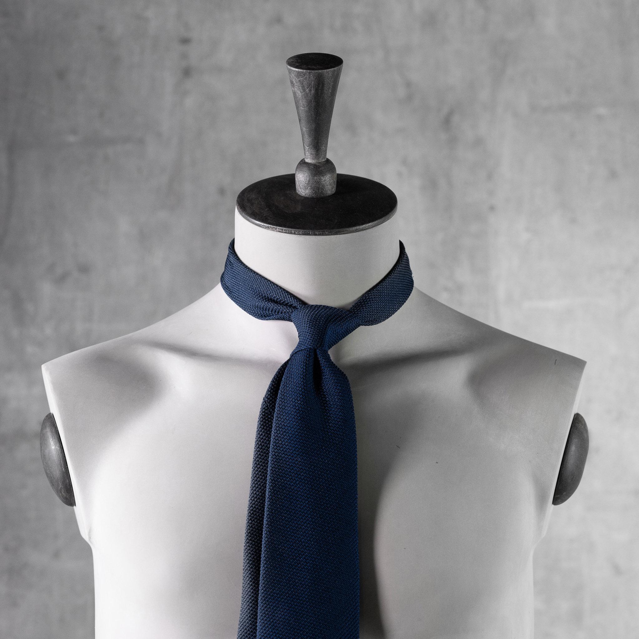 GRENADINE-0280-Tie-Initials-Corbata-Iniciales-The-Seelk-4